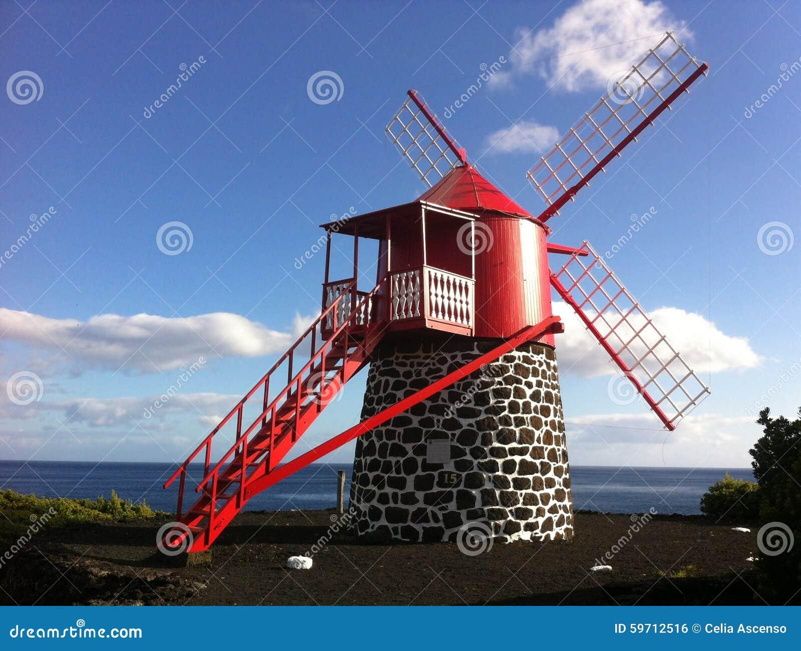红色风车在亚速尔群岛