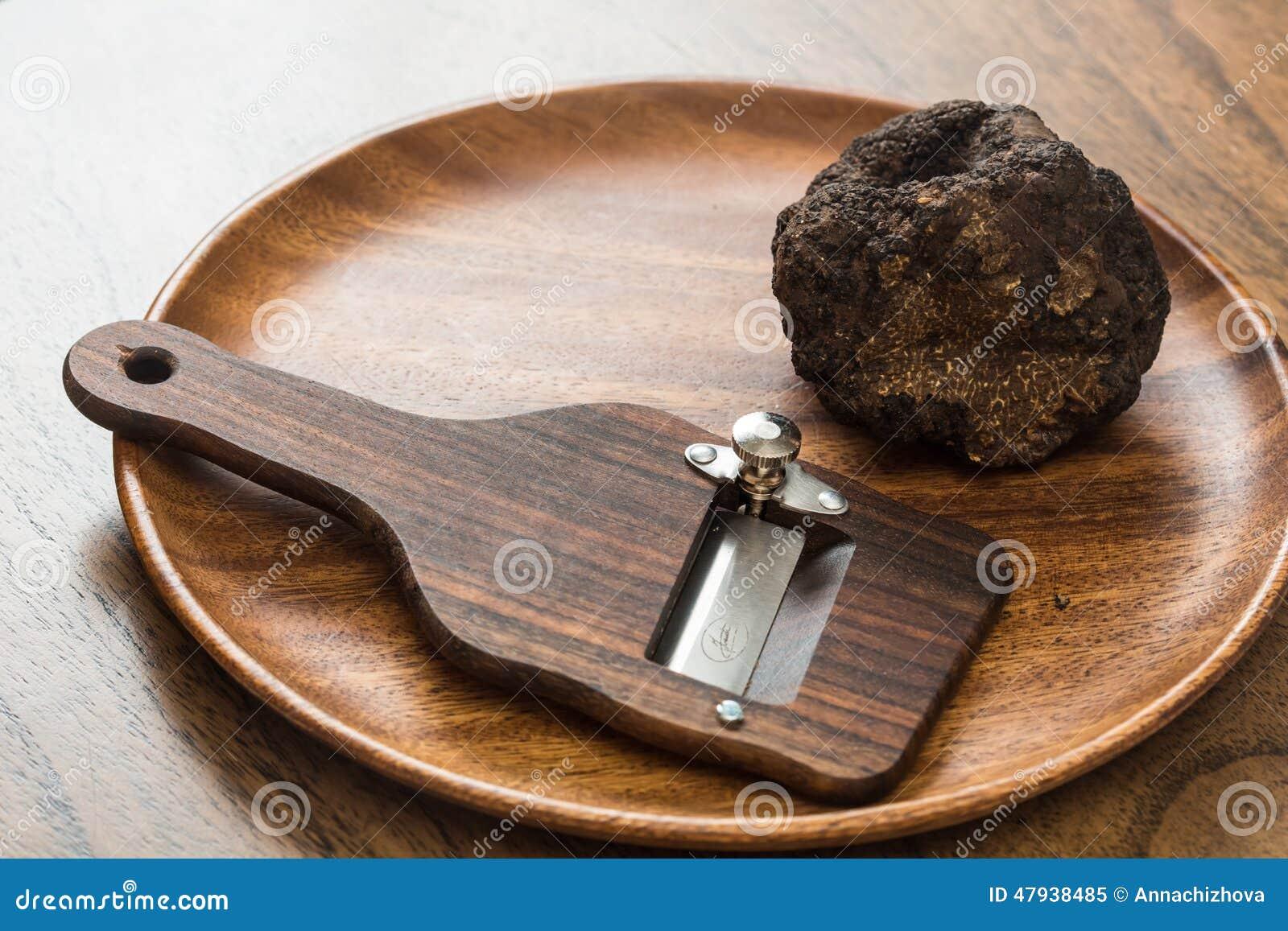 纤巧蘑菇黑色块菌