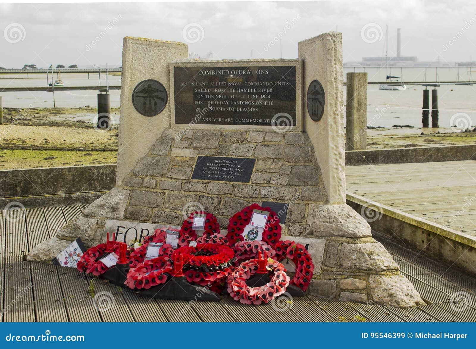 纪念品缠绕在Warsash架设的诺曼底着陆纪念品在是所有的一个出发点的汉普郡英国