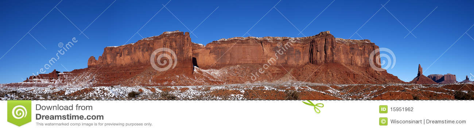 纪念碑山全景土坎雪谷