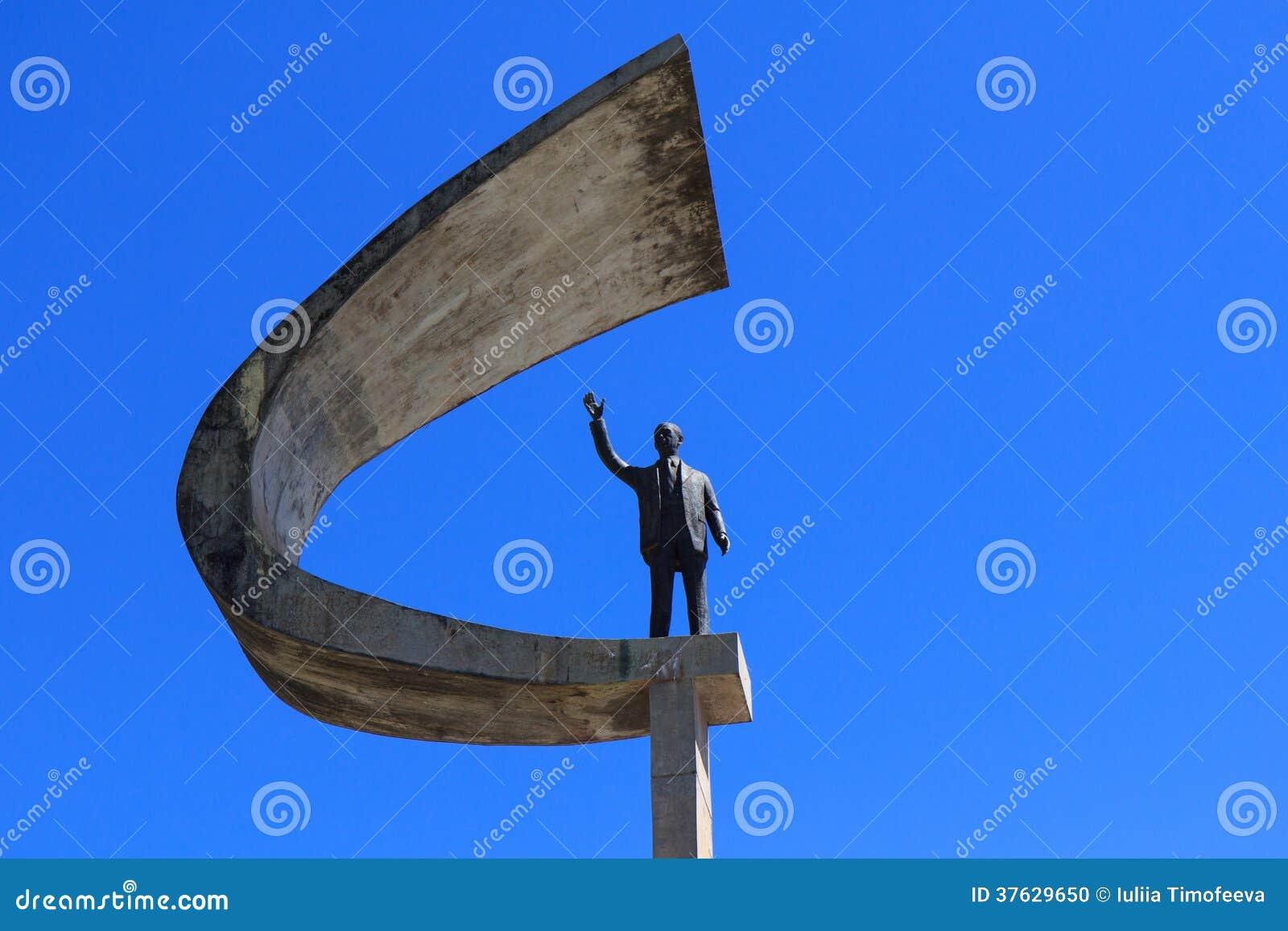 纪念JK -未来派巴西总统Memorial Statue