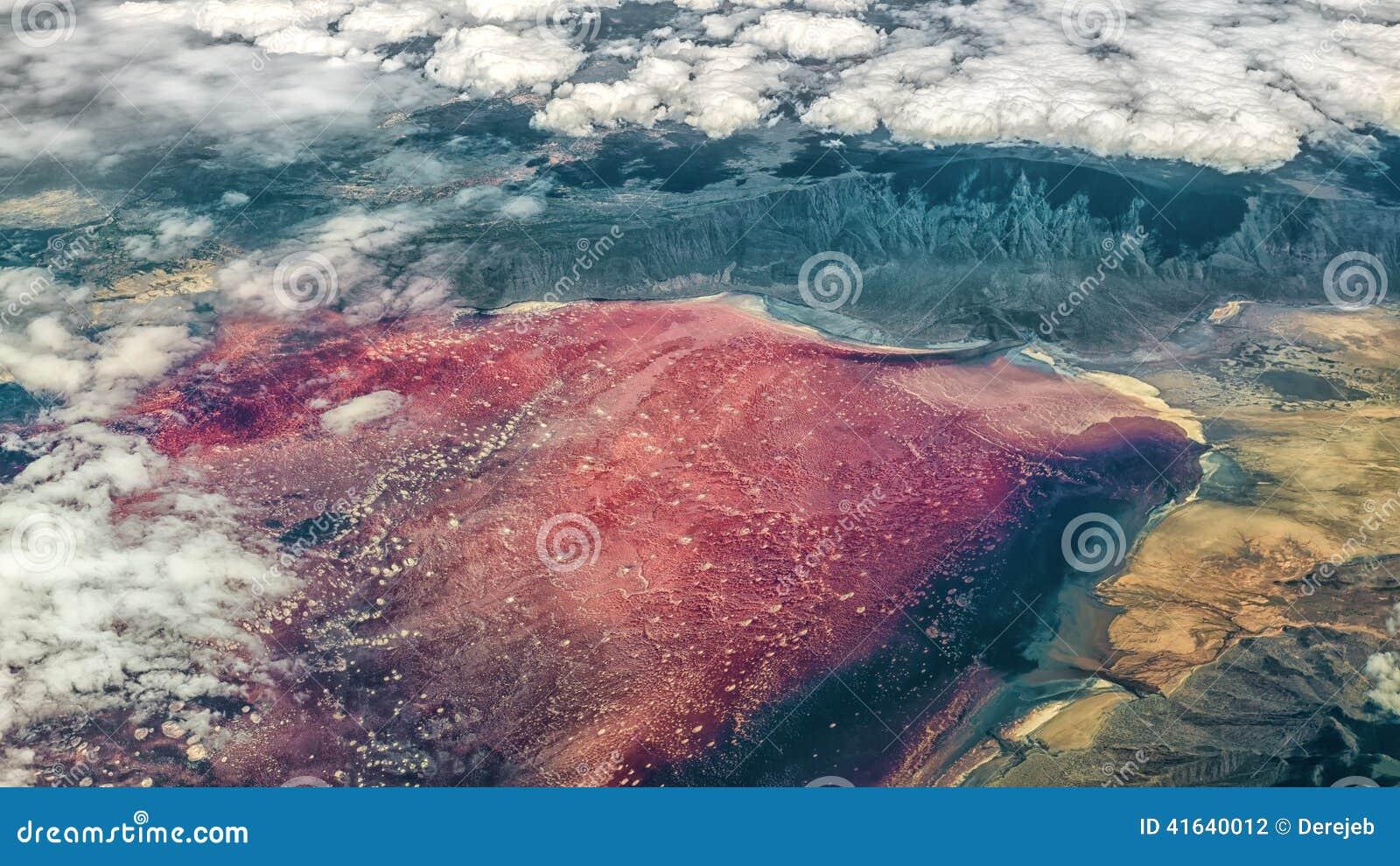 纳特龙湖_纳特龙湖为什么是红色 图片合集