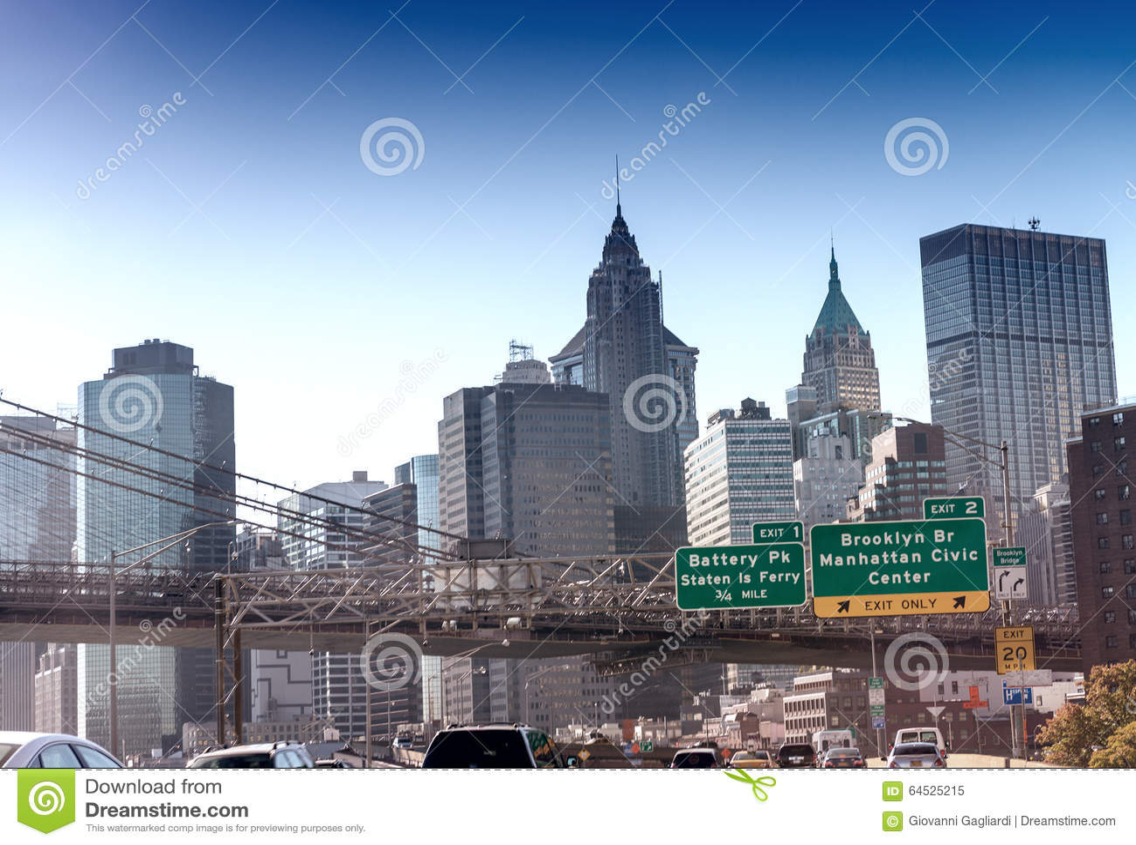 纽约路标和地平线在FDR驾驶,美国