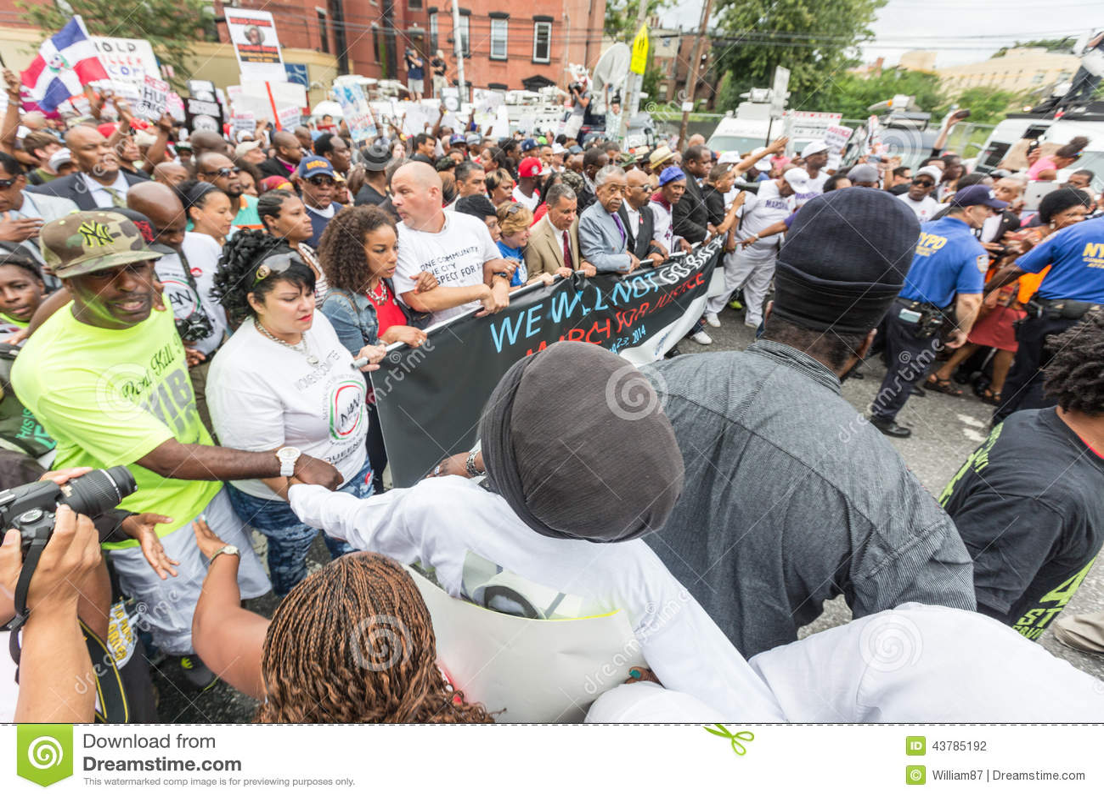 纽约,美国- 2014年8月23日:数千行军在Staten Islan