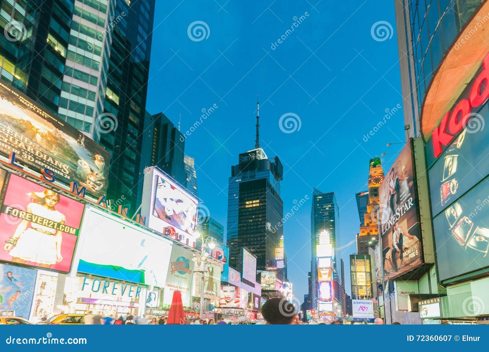 纽约- 2010年9月5日:9月5日的时代广场在新