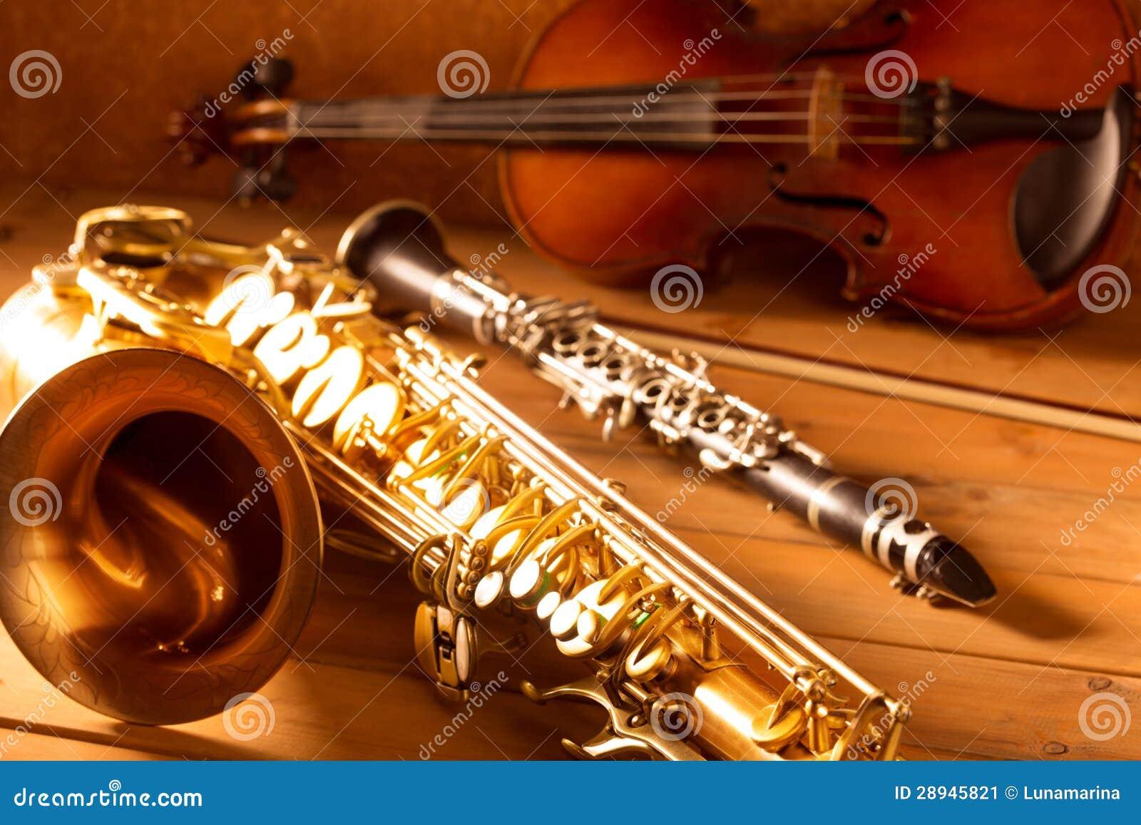 经典音乐萨克斯管进程萨克斯管小提琴和单簧管葡萄酒
