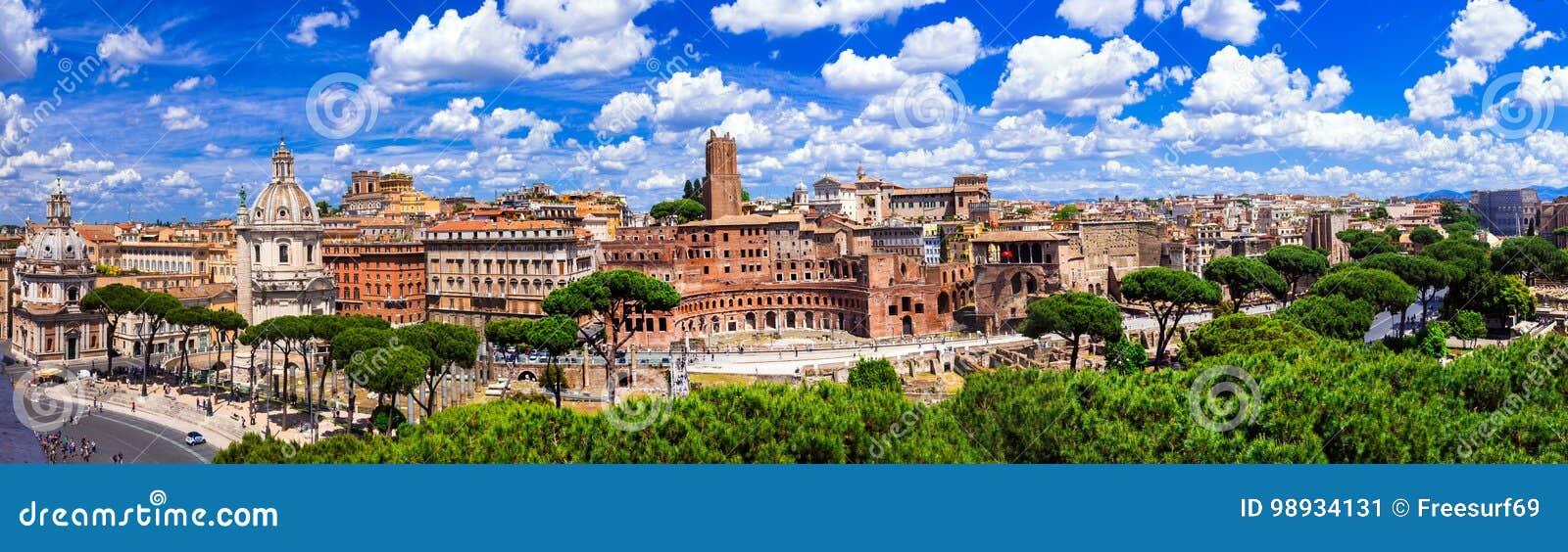 罗马地标 广场Venezia和Trajan全景