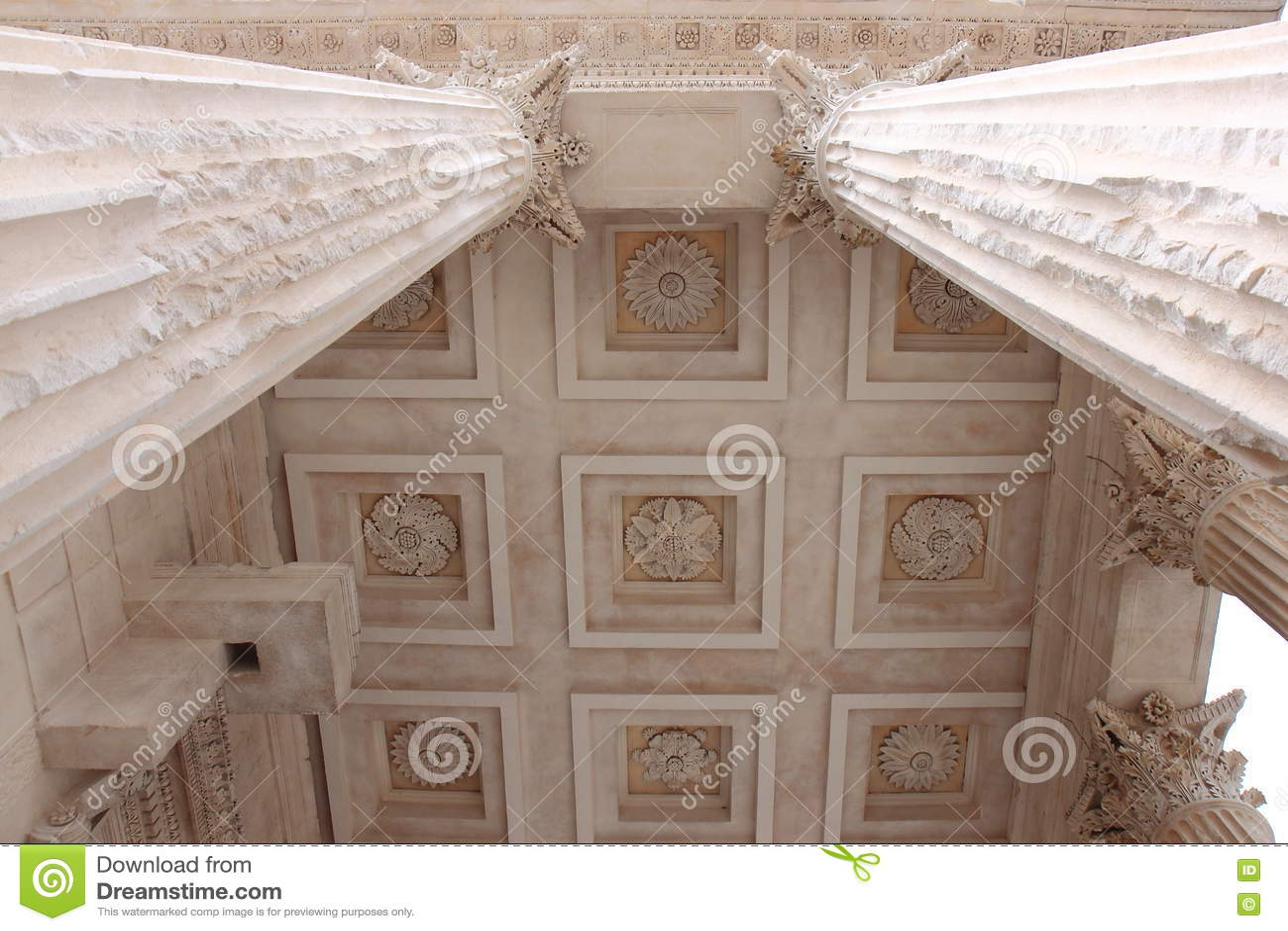 罗马寺庙Maison Carrée,法语尼姆柱子