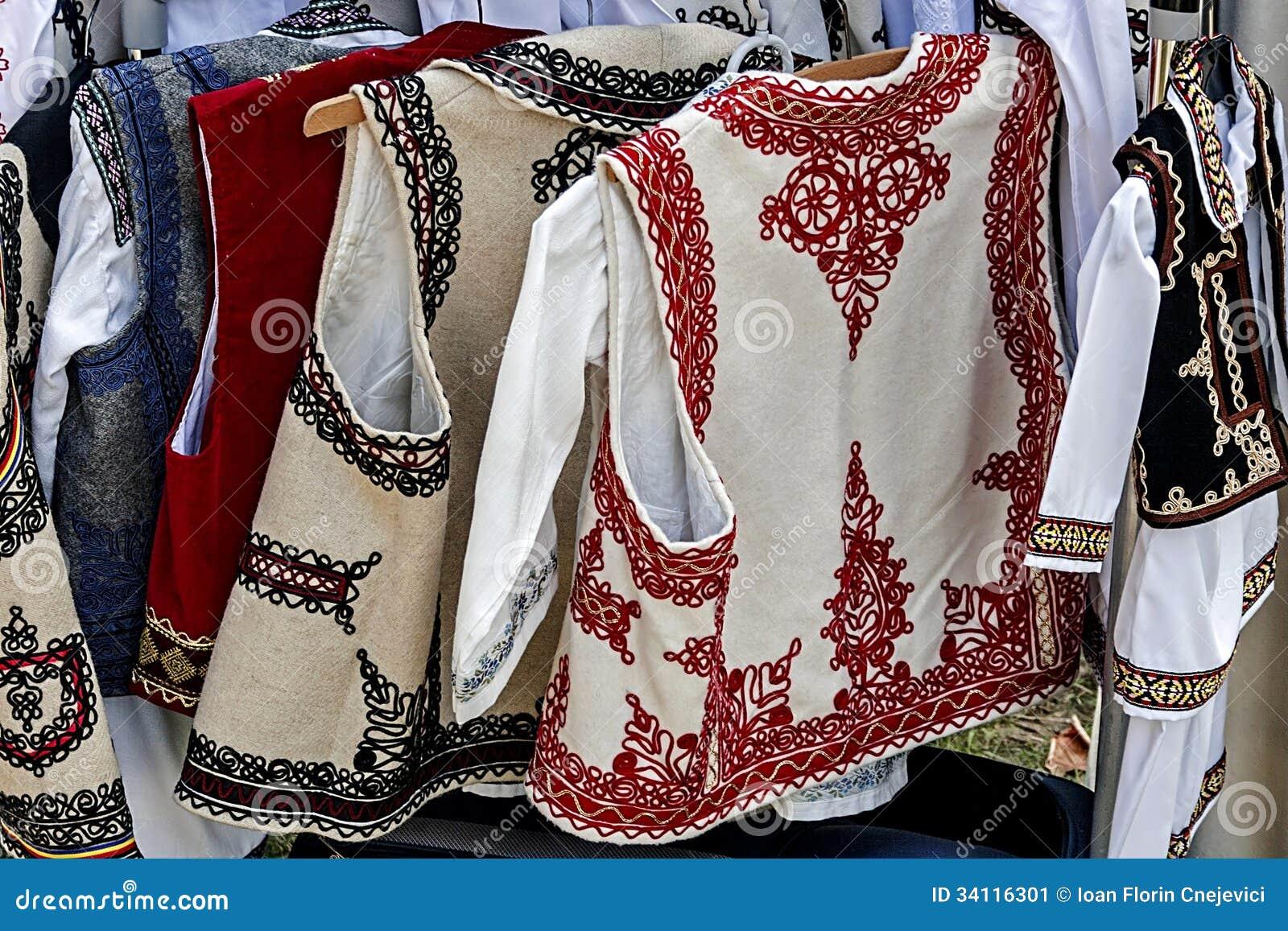 罗马尼亚传统服装2