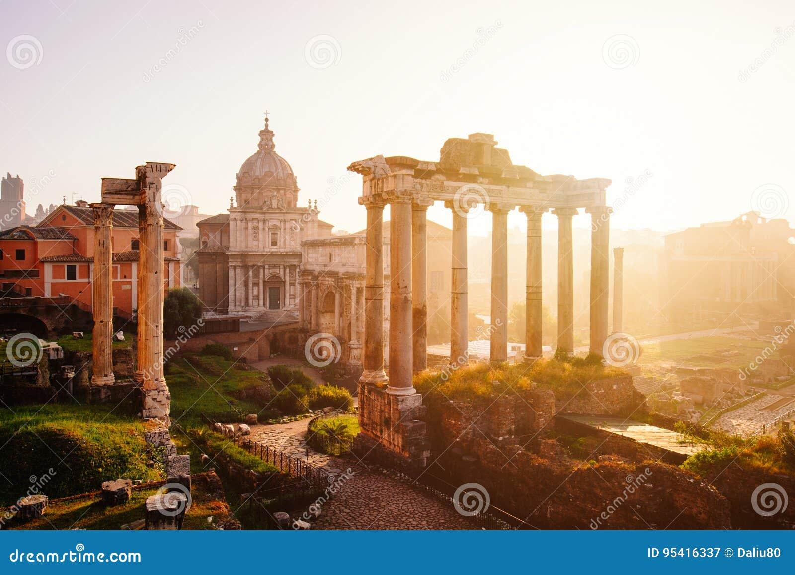 罗马广场的看法有土星,罗马,意大利寺庙的