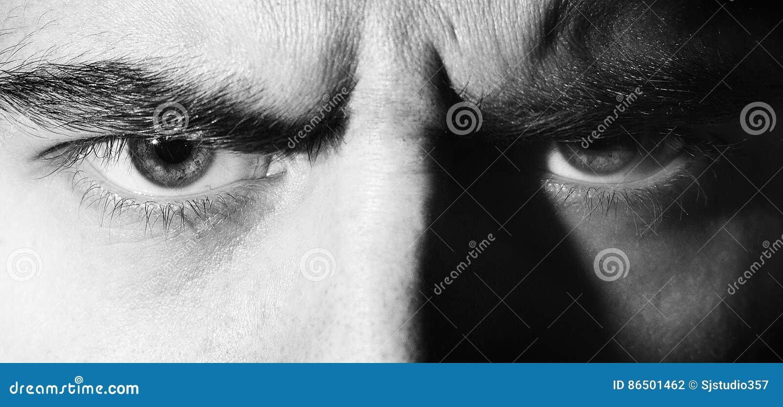 罪恶,恼怒,严肃,眼睛,神色人,调查照相机,黑白画象