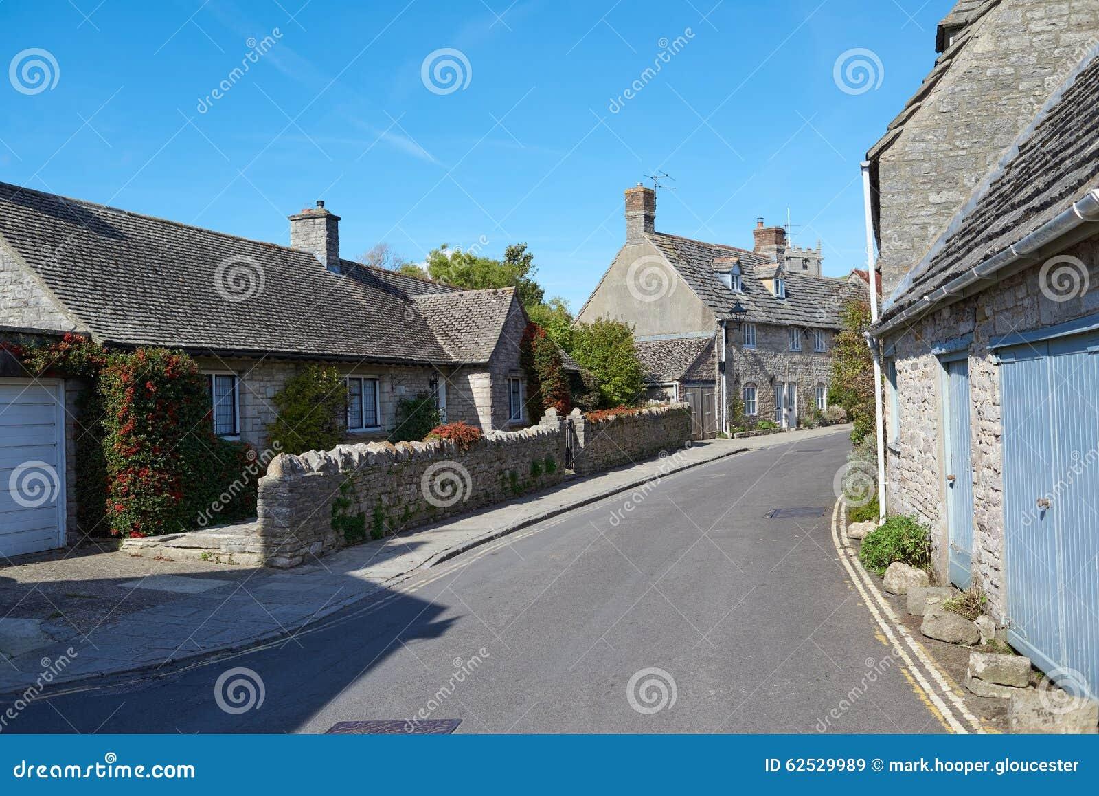 美丽如画的英国村庄场面