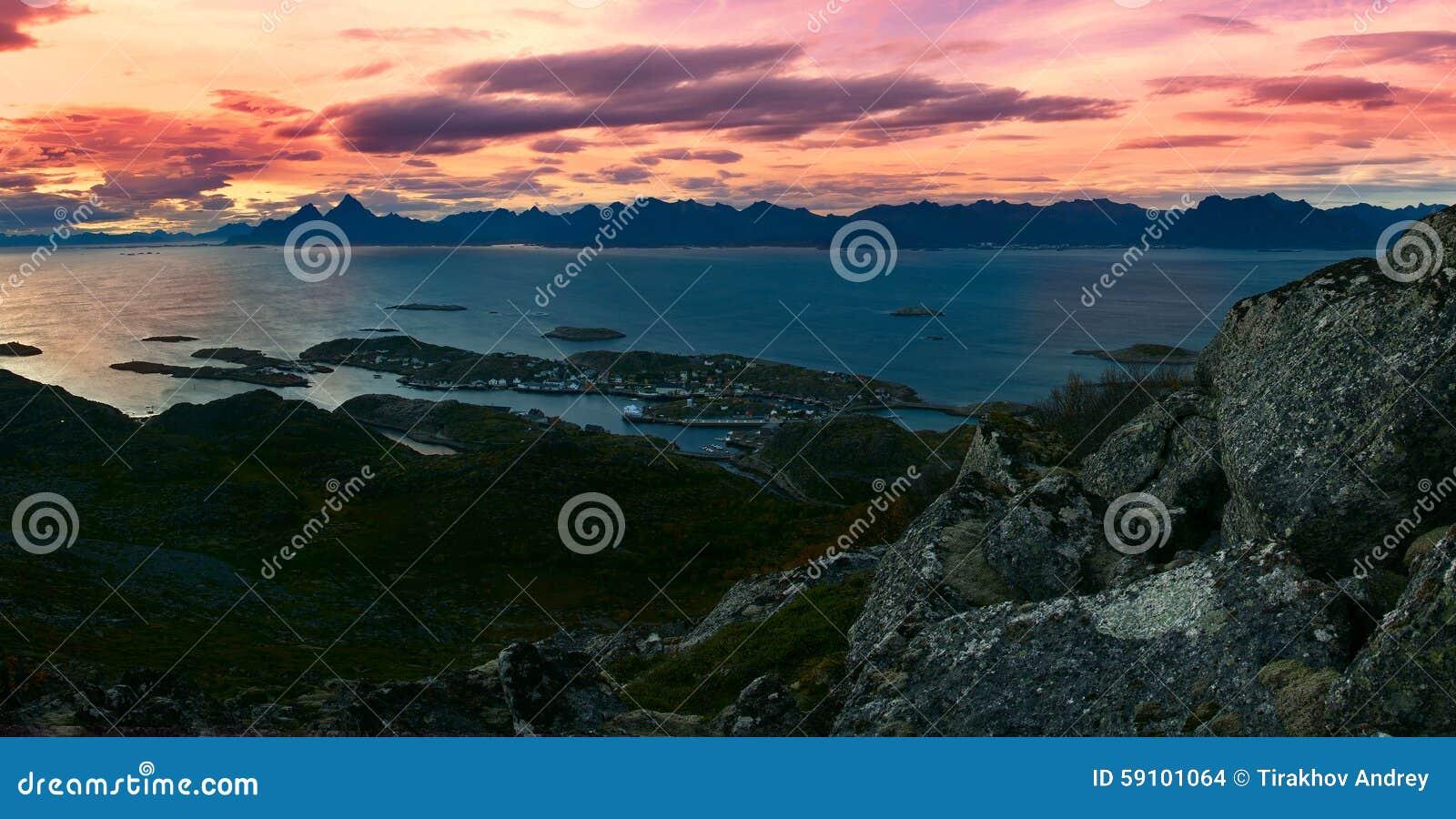 美丽的全景风景Lofoten海岛