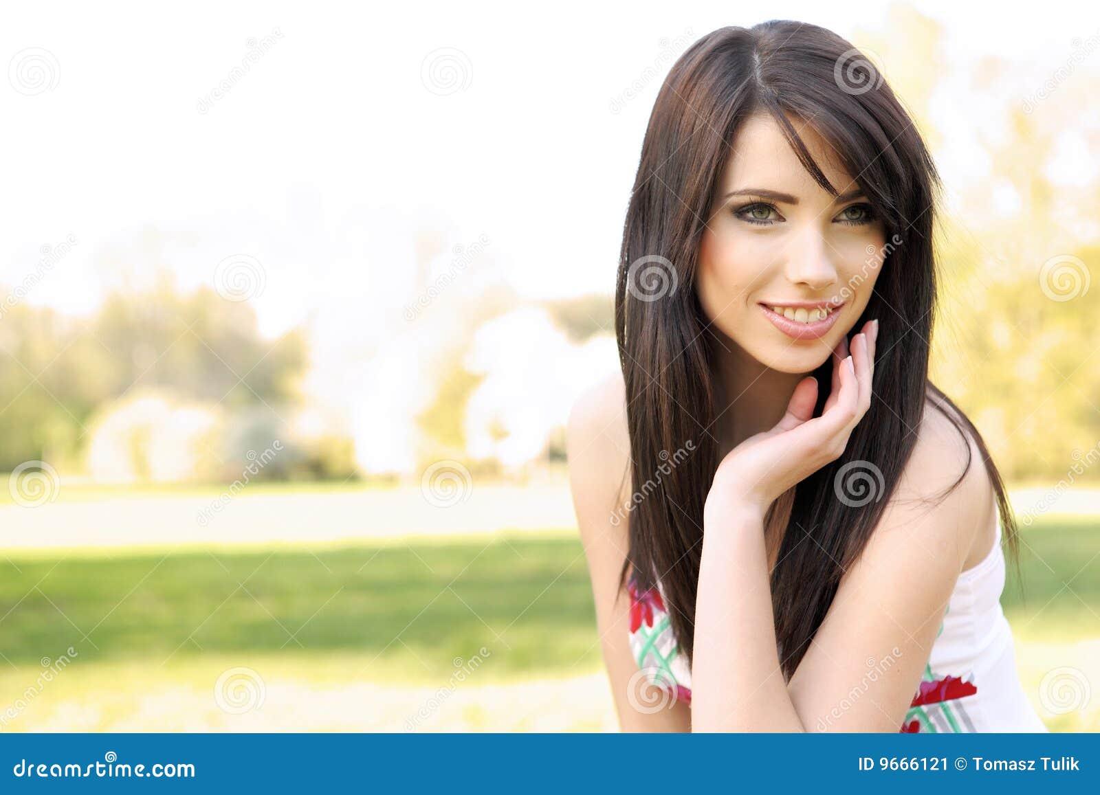 美丽的域夏天妇女