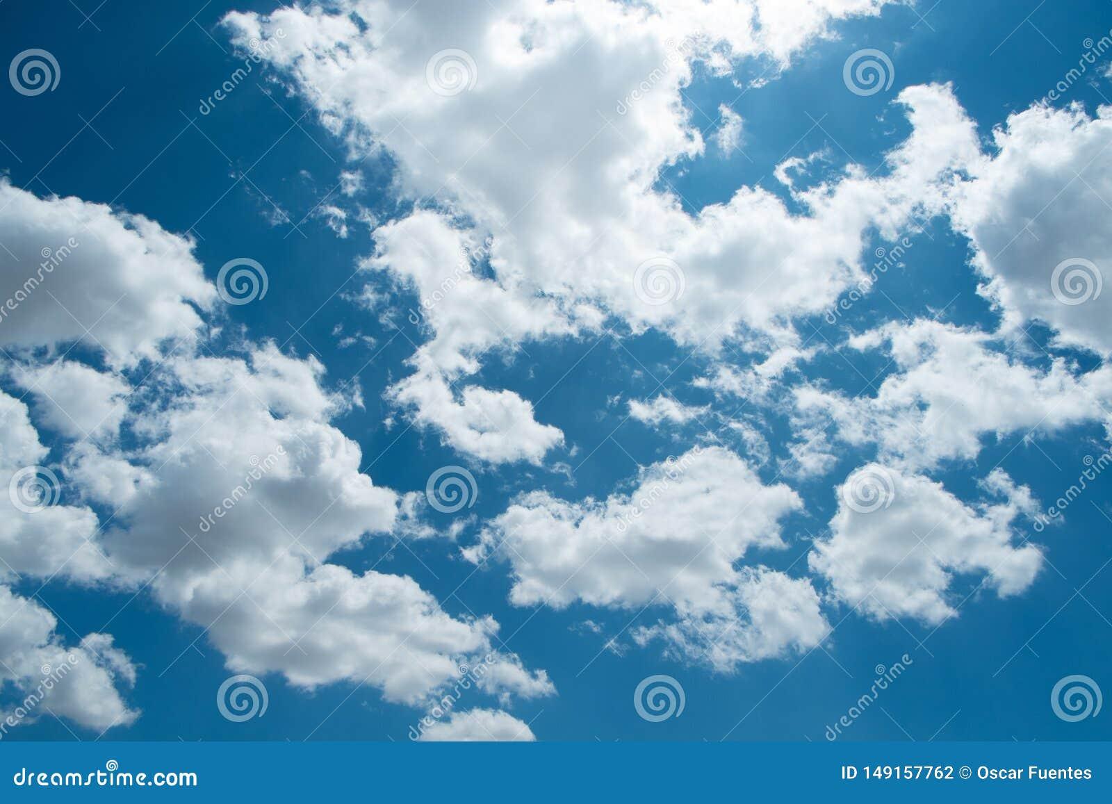 美丽的天空蔚蓝