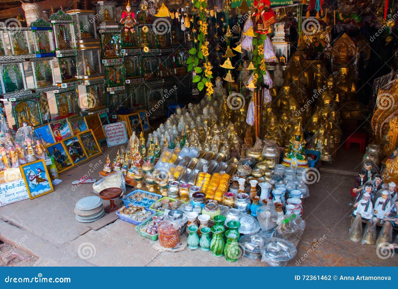 美丽的宗教首饰和雕象 缅甸 缅甸