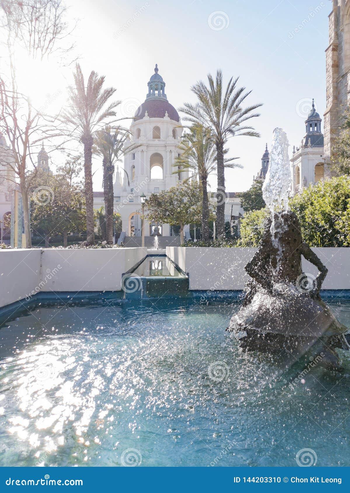 美丽的帕萨迪纳市政厅的下午视图在洛杉矶,加利福尼亚