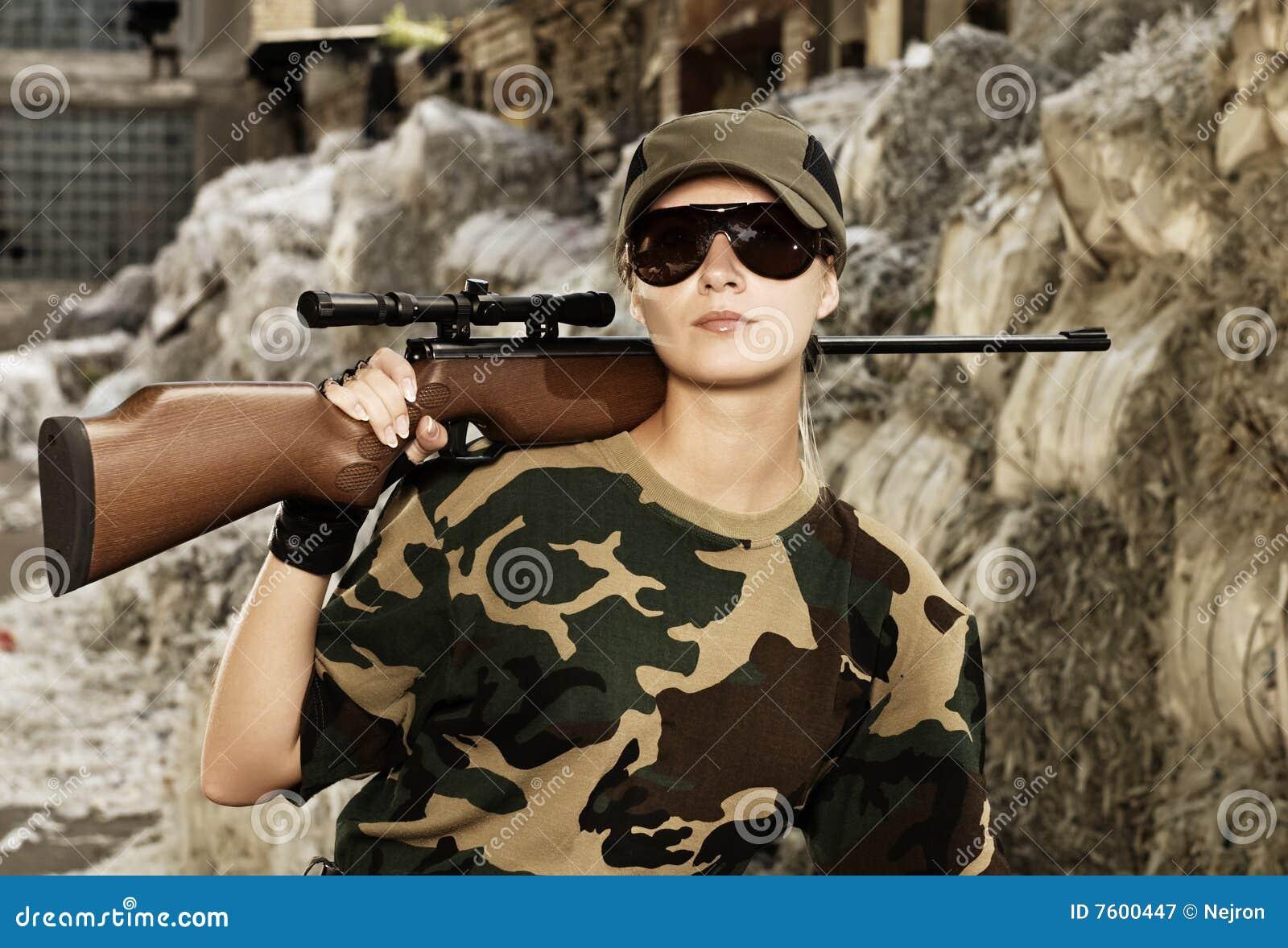 美丽的战士妇女