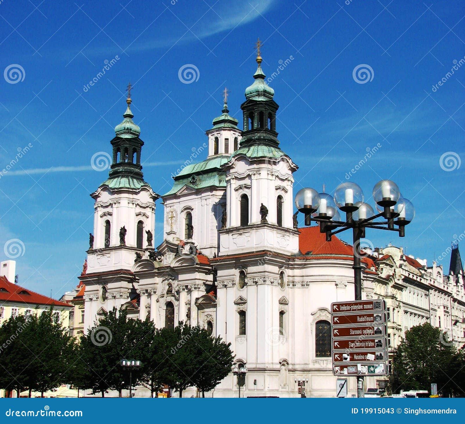 美丽的教会布拉格