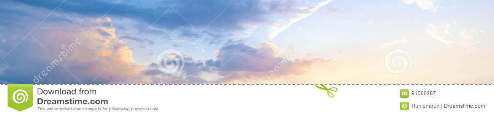 美丽的日落天空,全景