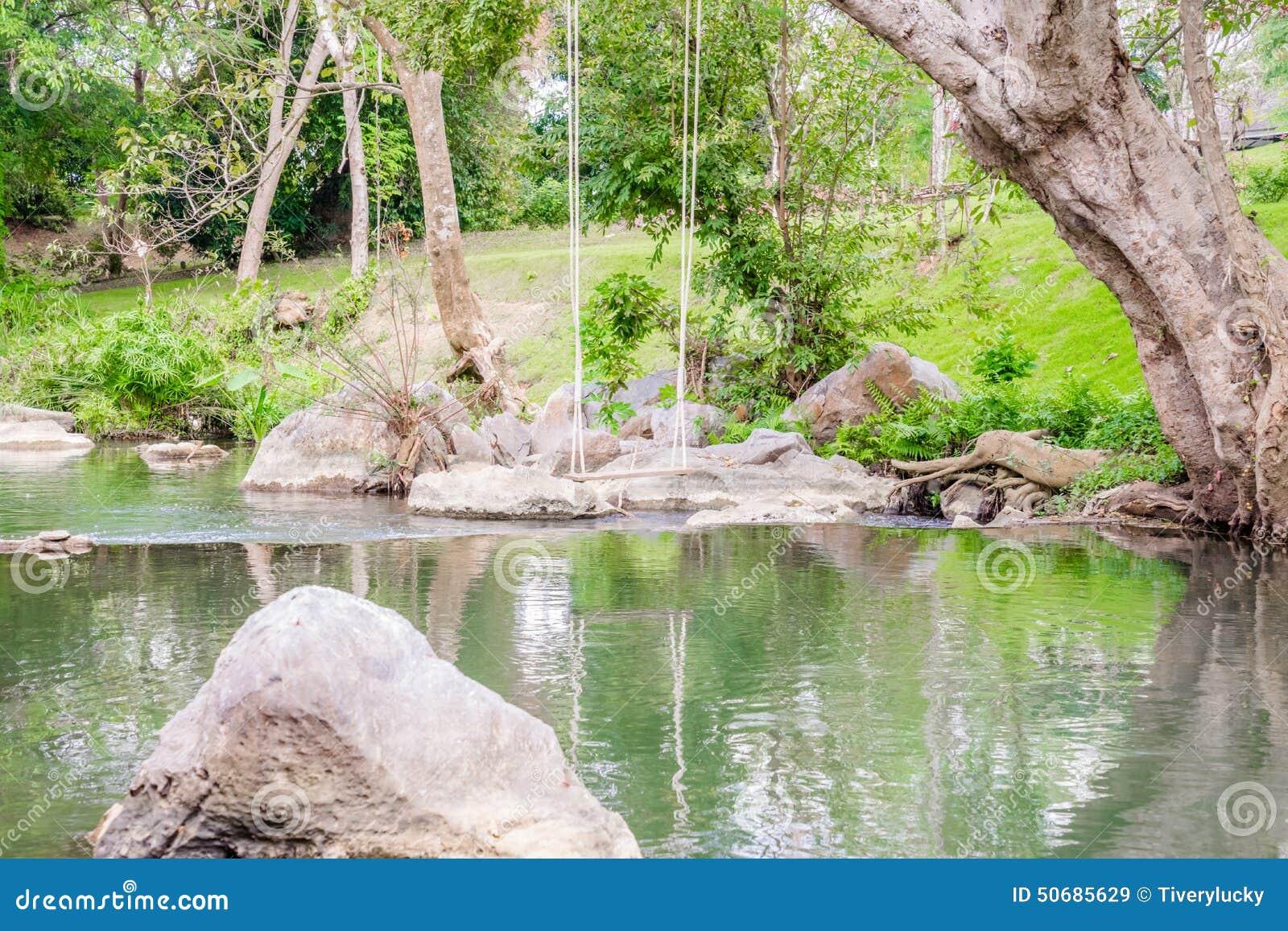 Download 美丽的河小河 库存图片. 图片 包括有 运行, 石头, 与氢结合, 通知, 纹理, 薄雾, 蓝色, 干净 - 50685629