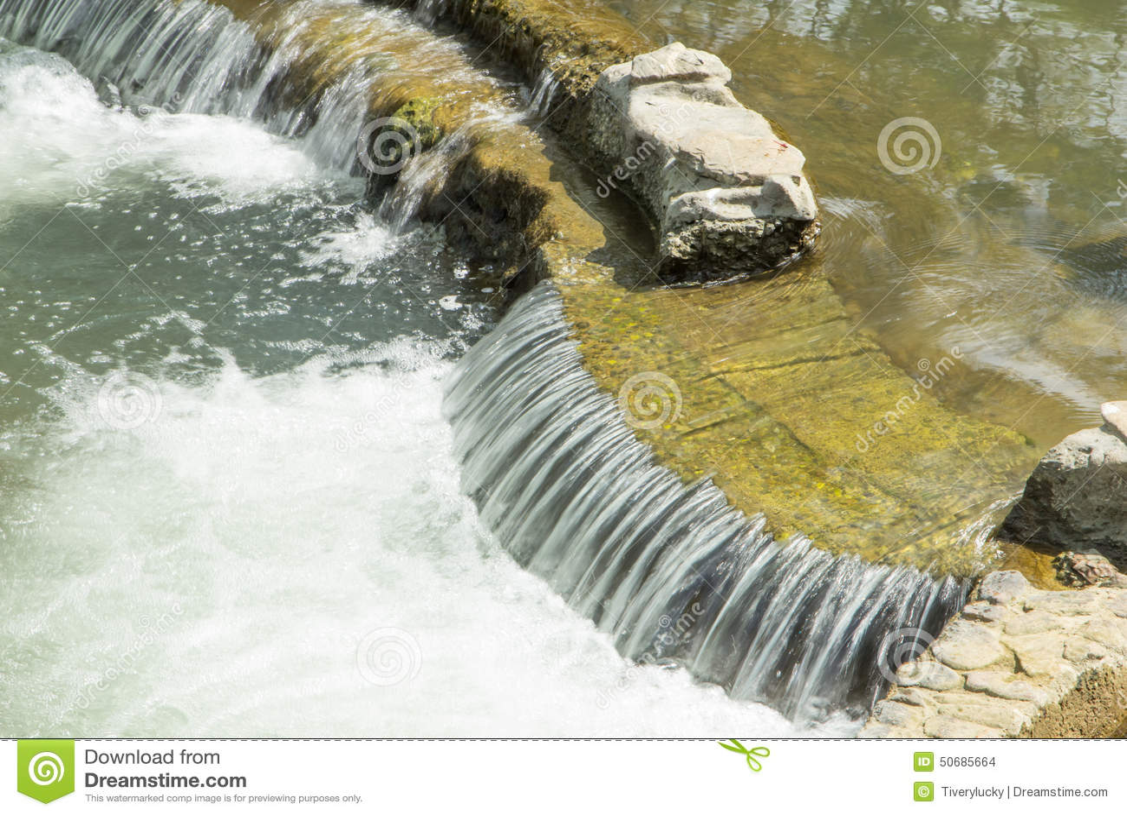 Download 美丽的河小河 库存照片. 图片 包括有 纹理, 背包, 蓝色, 洪水, 秋天, 摇摆, 急流, 行动, 模式 - 50685664