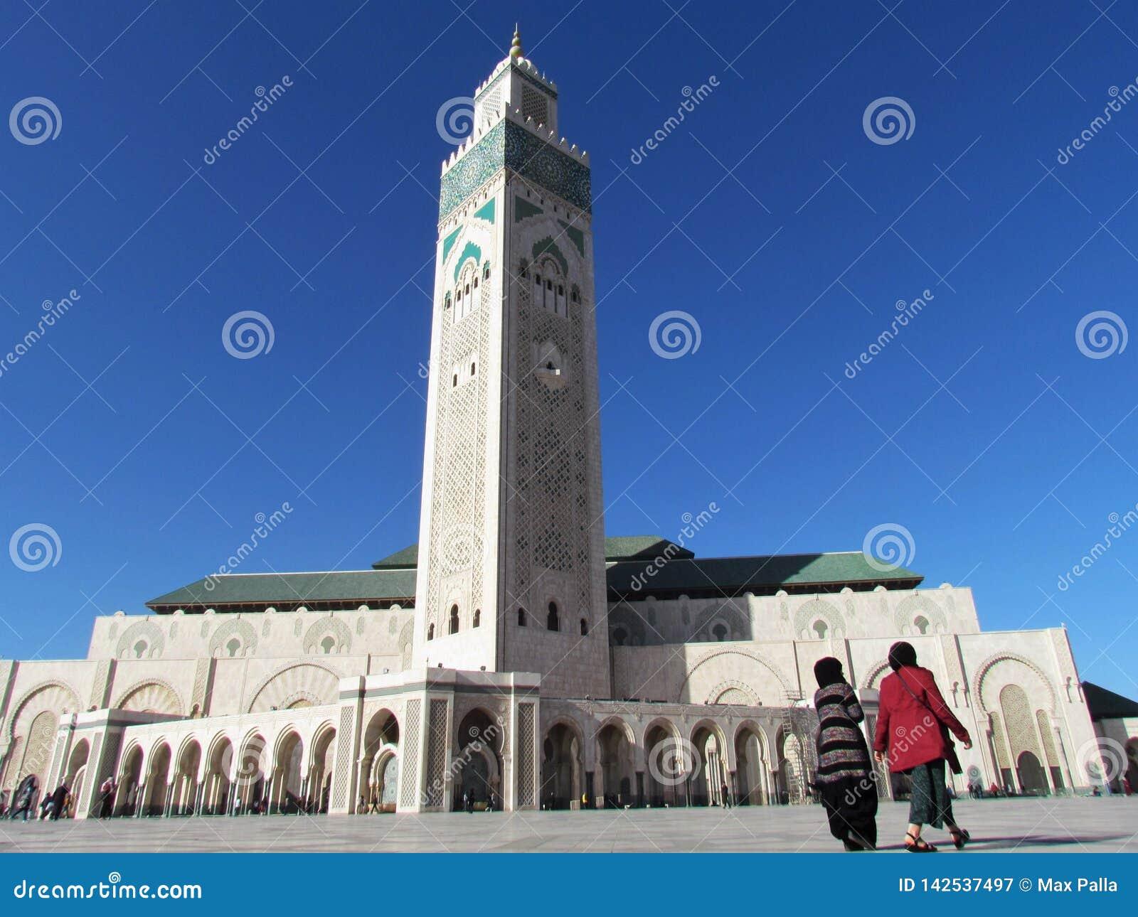 美丽的清真寺哈桑二世面对阳光的一个建筑杰作