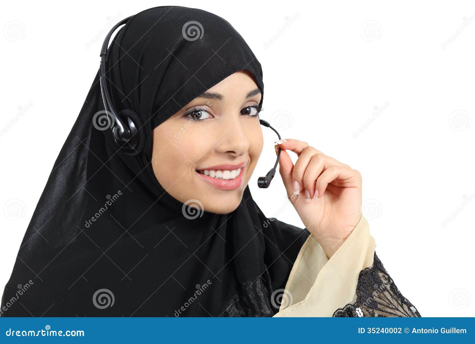 美丽的电话操作员阿拉伯妇女工作