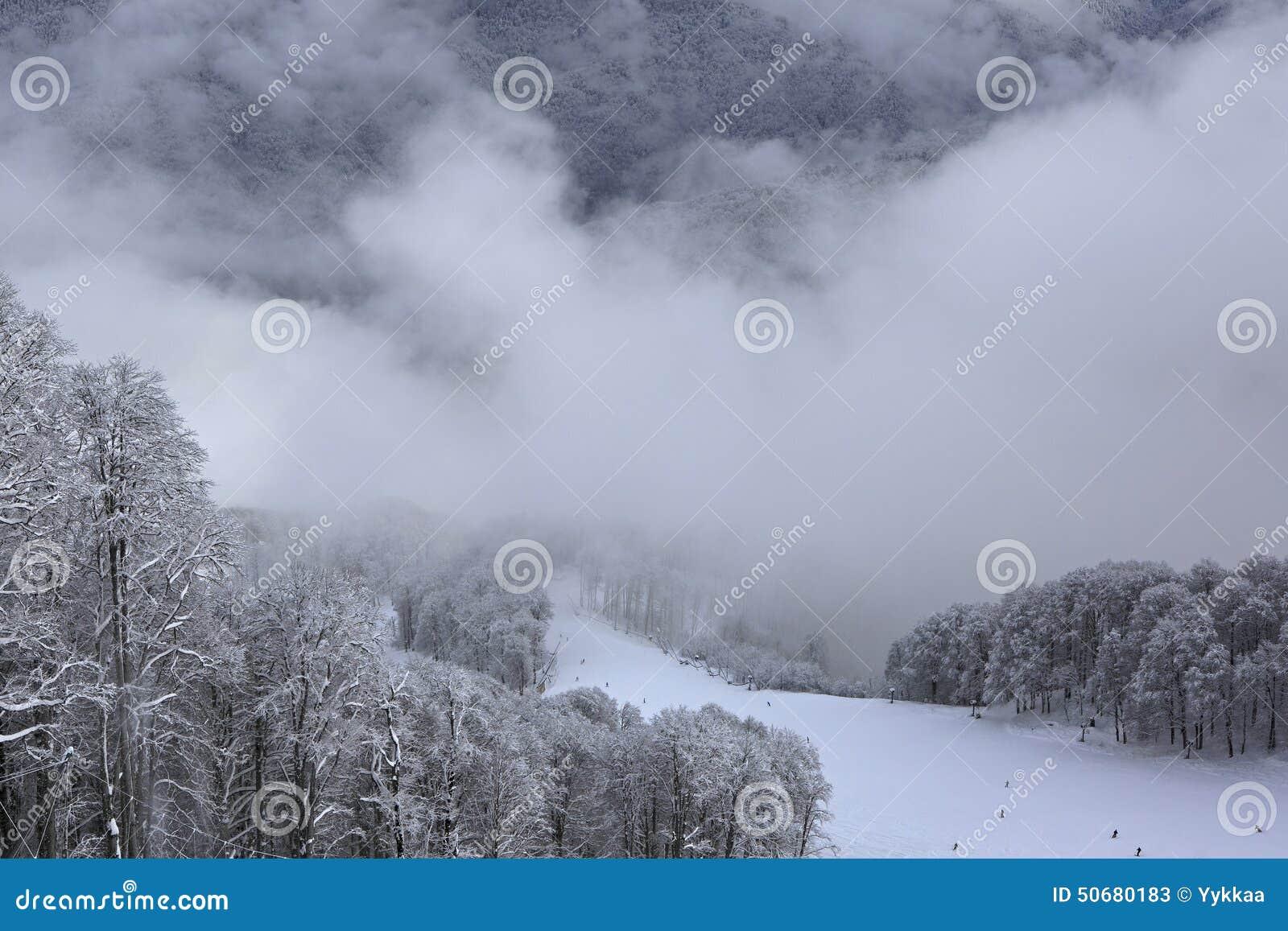 Download 美丽的积雪覆盖的高加索山脉 库存图片. 图片 包括有 旅游业, 俄国, 体育运动, 横向, 休闲, 本质 - 50680183