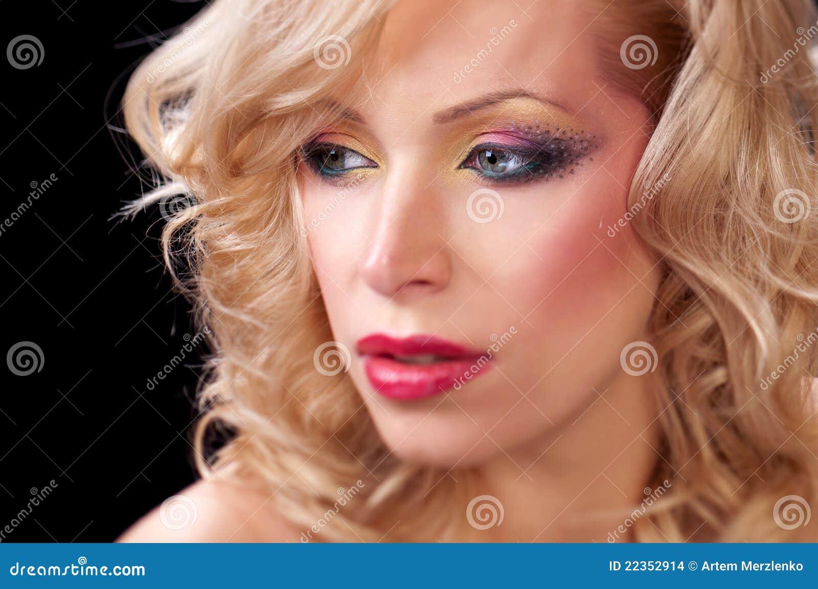 美丽的纵向妇女