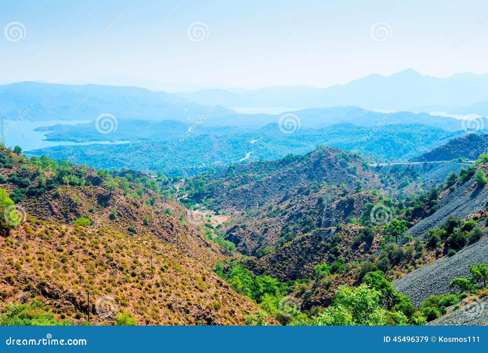 美丽的谷的全景