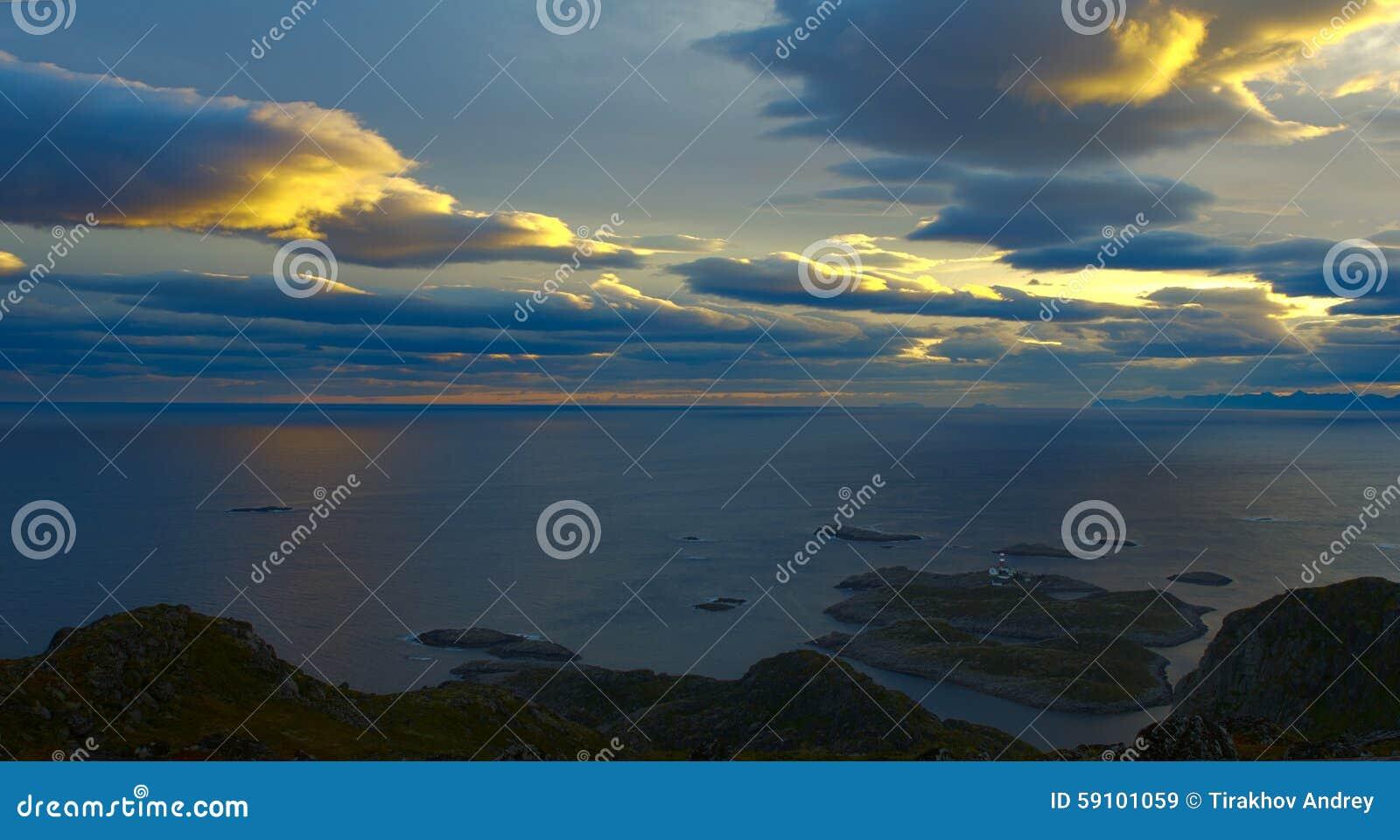 美丽的风景Lofoten海岛