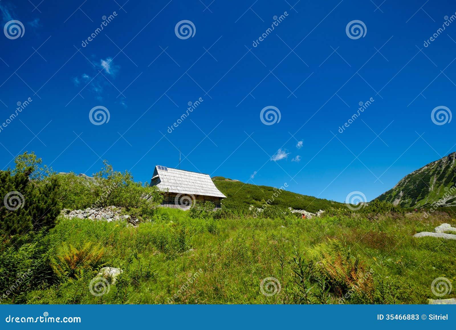 美丽的Tatry山风景五湖谷