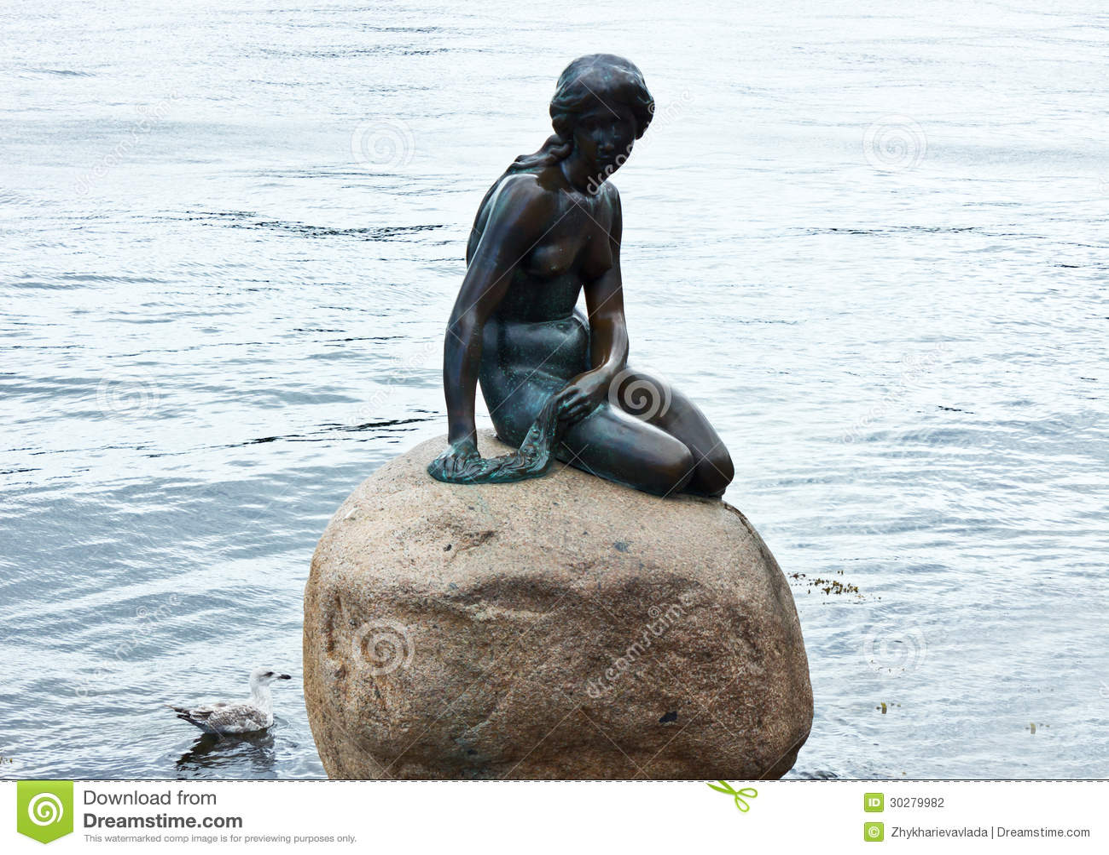 美人鱼雕塑在哥本哈根