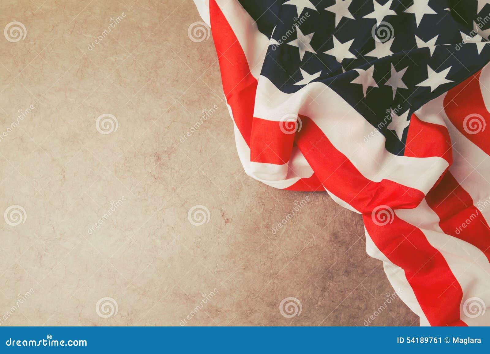 美国下垂在与拷贝空间的葡萄酒纸 第4个背景7月