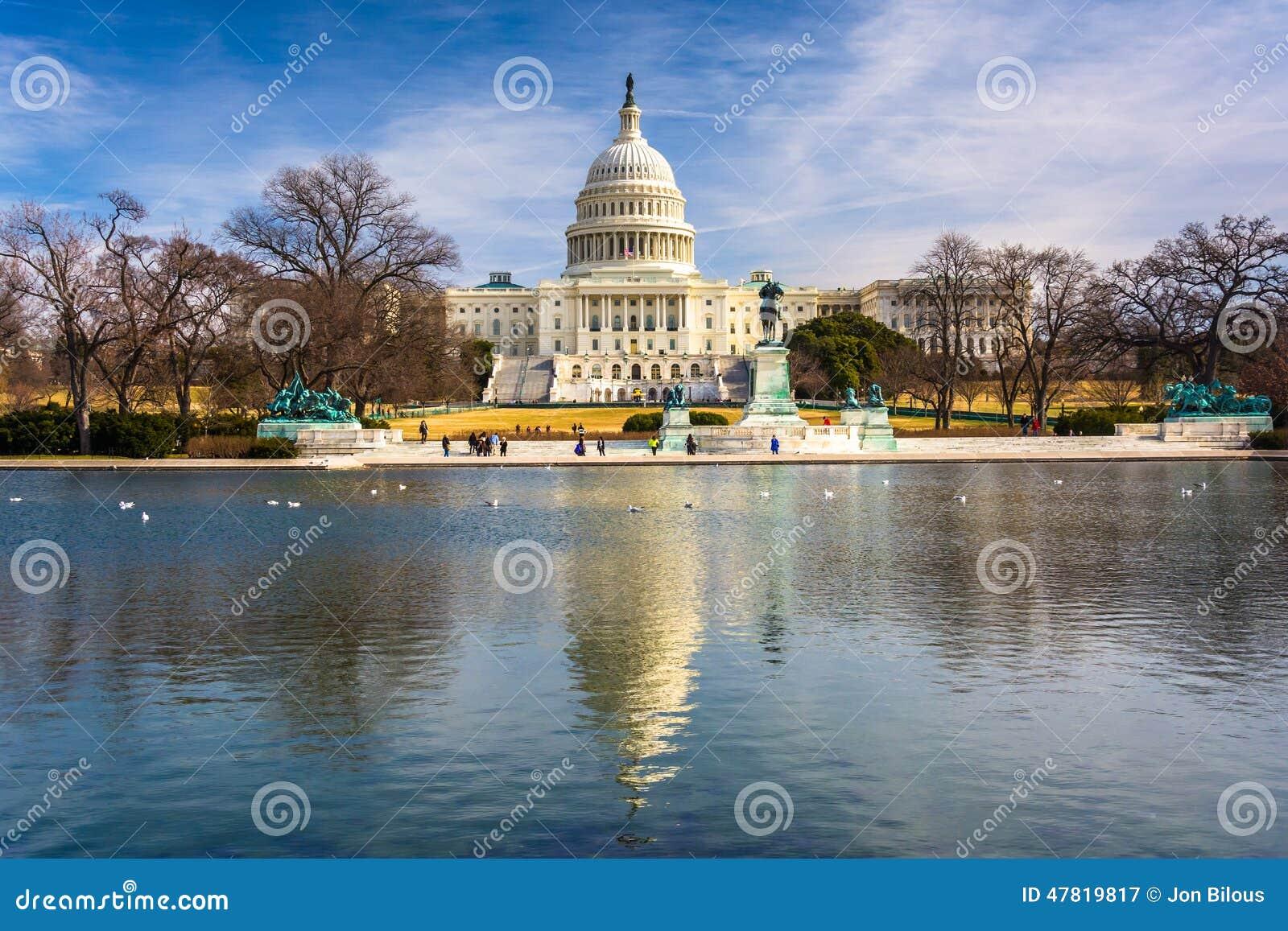 Download 美国国会大厦和反射水池在华盛顿特区, 库存图片. 图片 包括有 政府, 地标, 云彩, 历史记录, beautifuler - 47819817