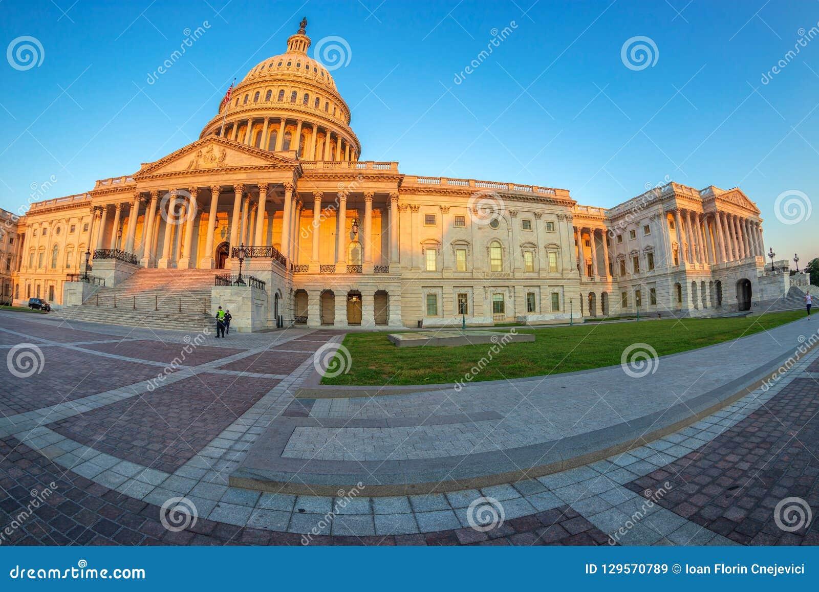 美国国会大厦大厦清早