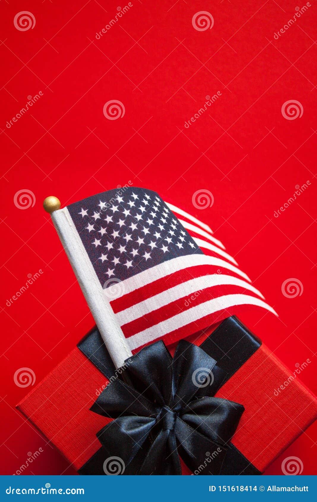 美国国旗和礼物盒