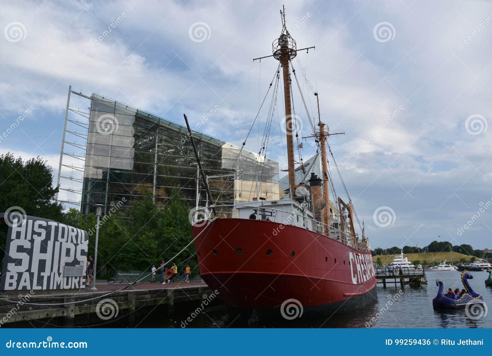 美国灯塔船切塞皮克犬LV-116在巴尔的摩,马里兰