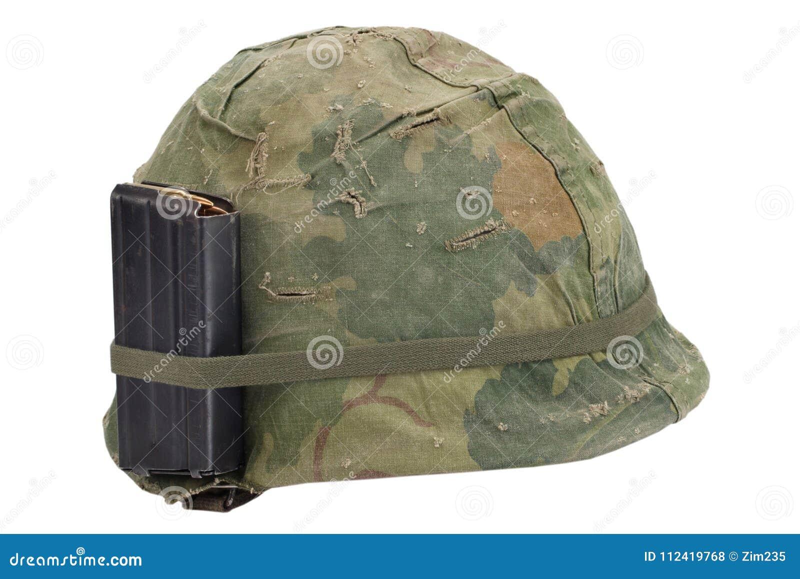 美国陆军盔甲与伪装盖子,与被隔绝的弹药的杂志的越南战争期间