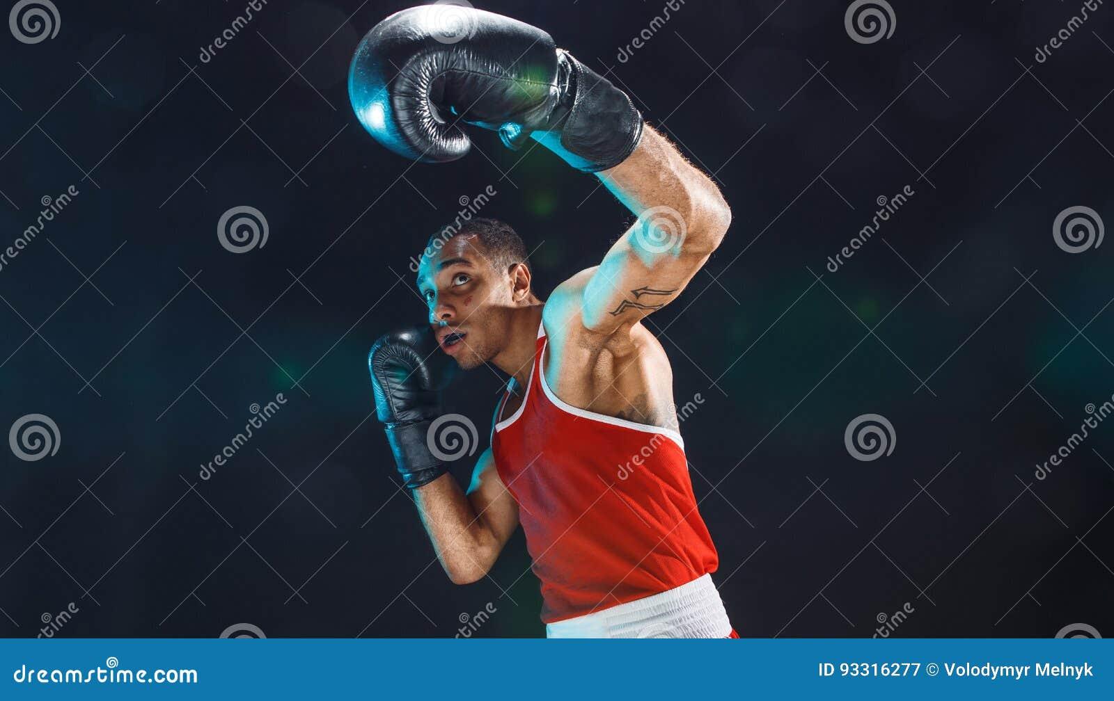 美国黑人的男性拳击手