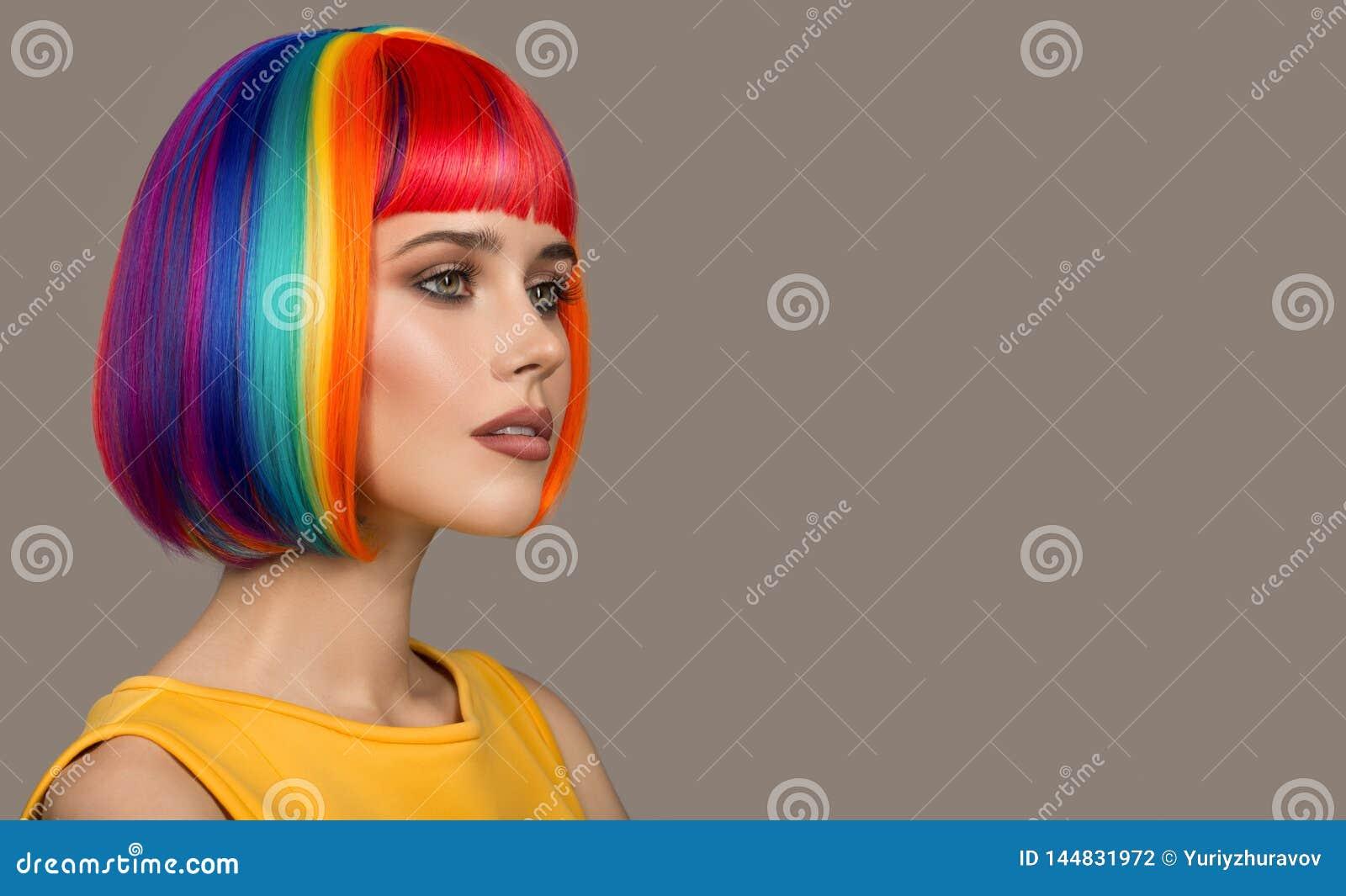 美女画象  五颜六色的头发