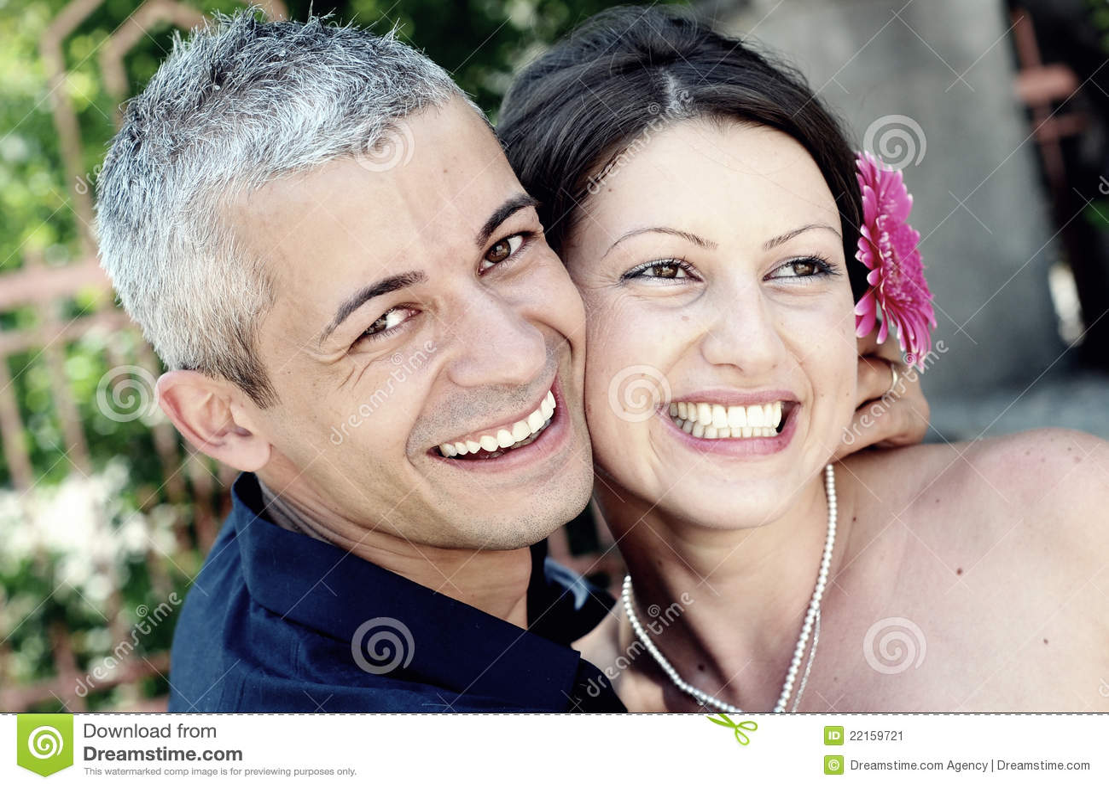 美好夫妇微笑