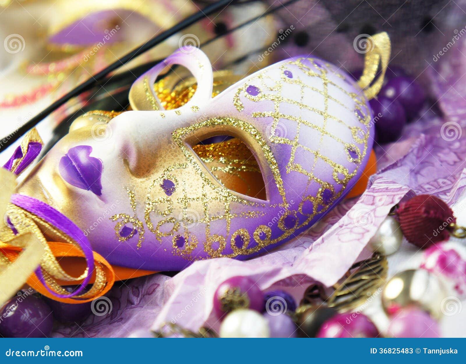 美好的威尼斯式狂欢节面具