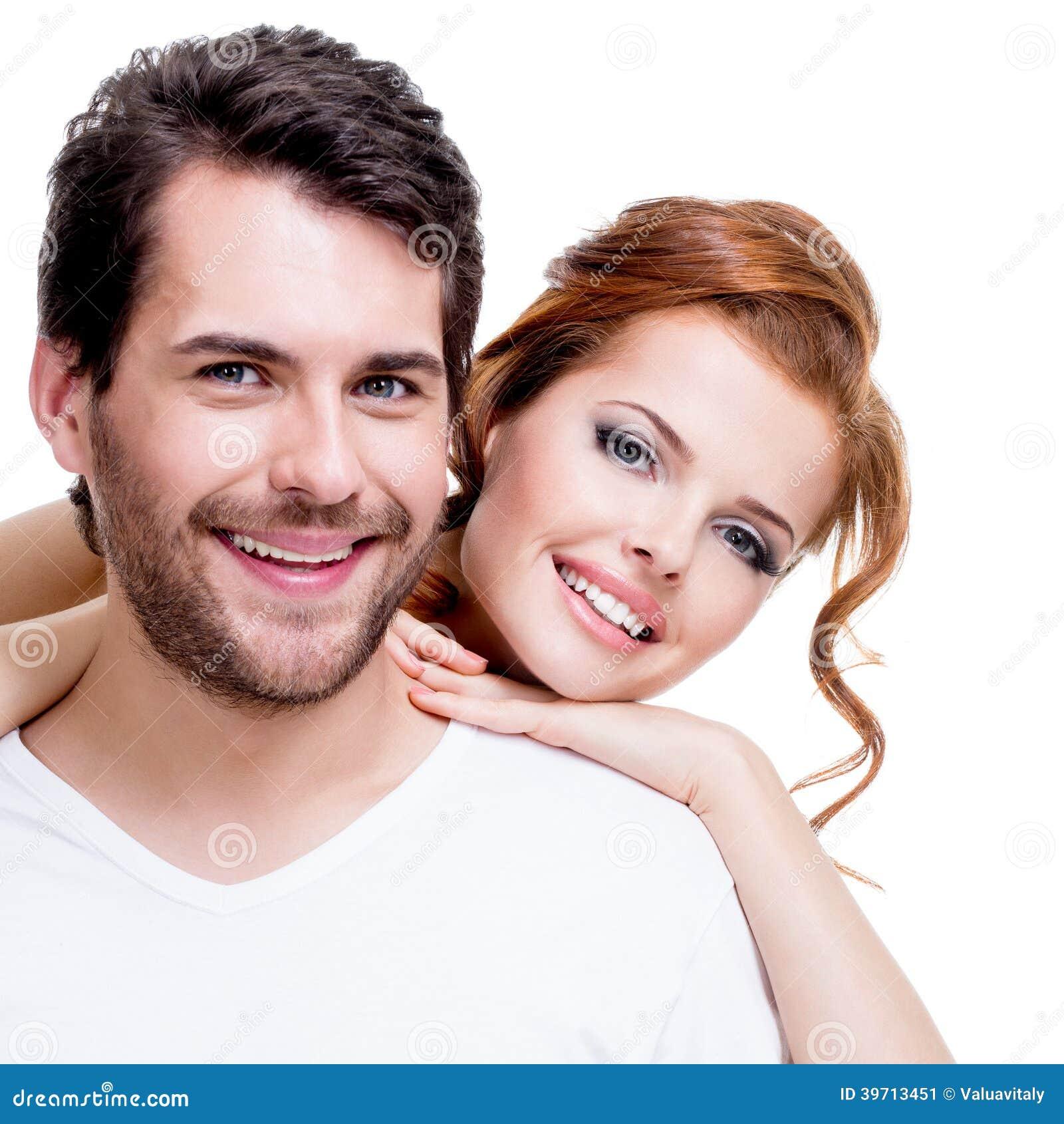 美好的微笑的夫妇特写镜头画象。