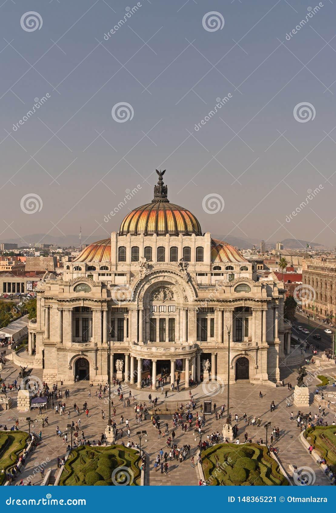 美术宫殿在墨西哥城