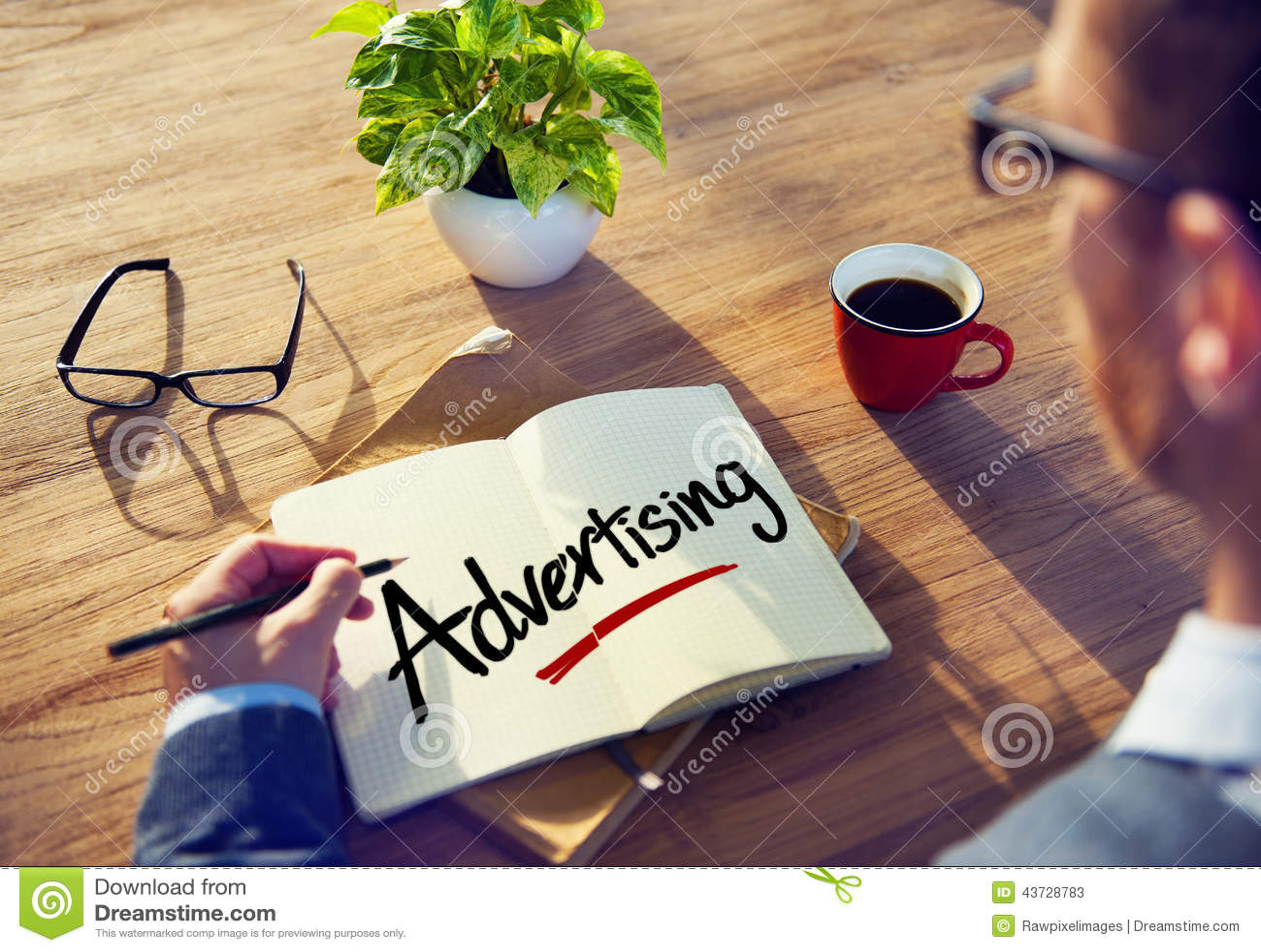 群策群力关于广告概念的商人