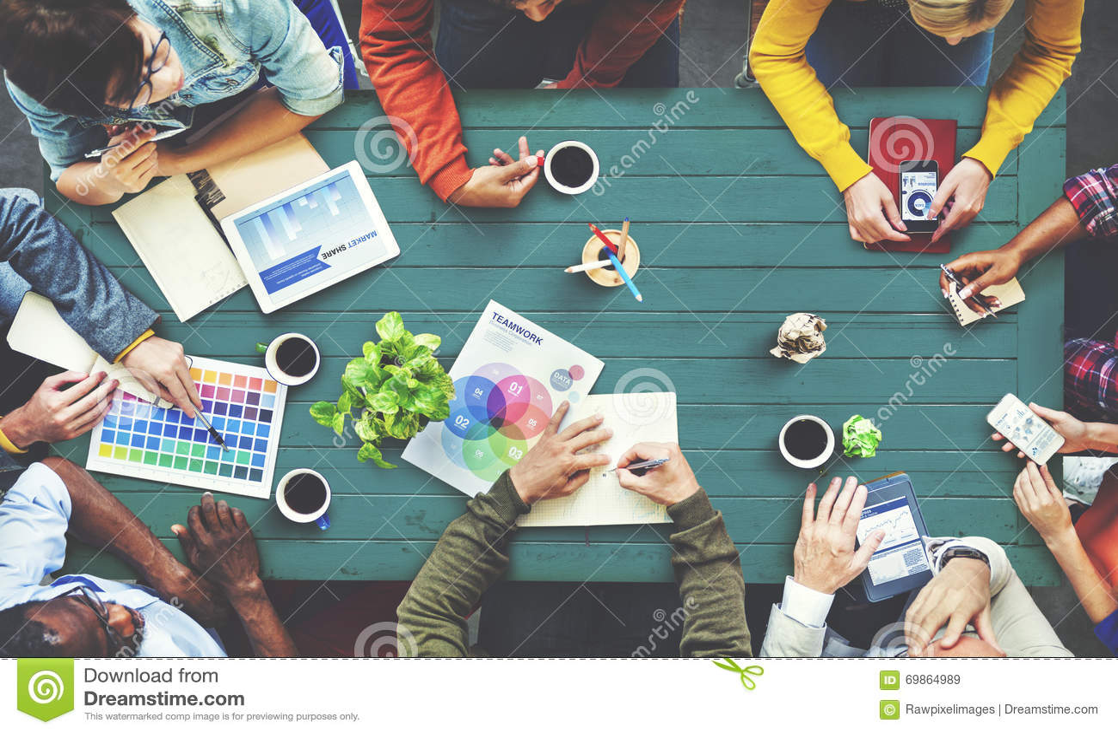 群策群力当代概念的不同种族的设计师