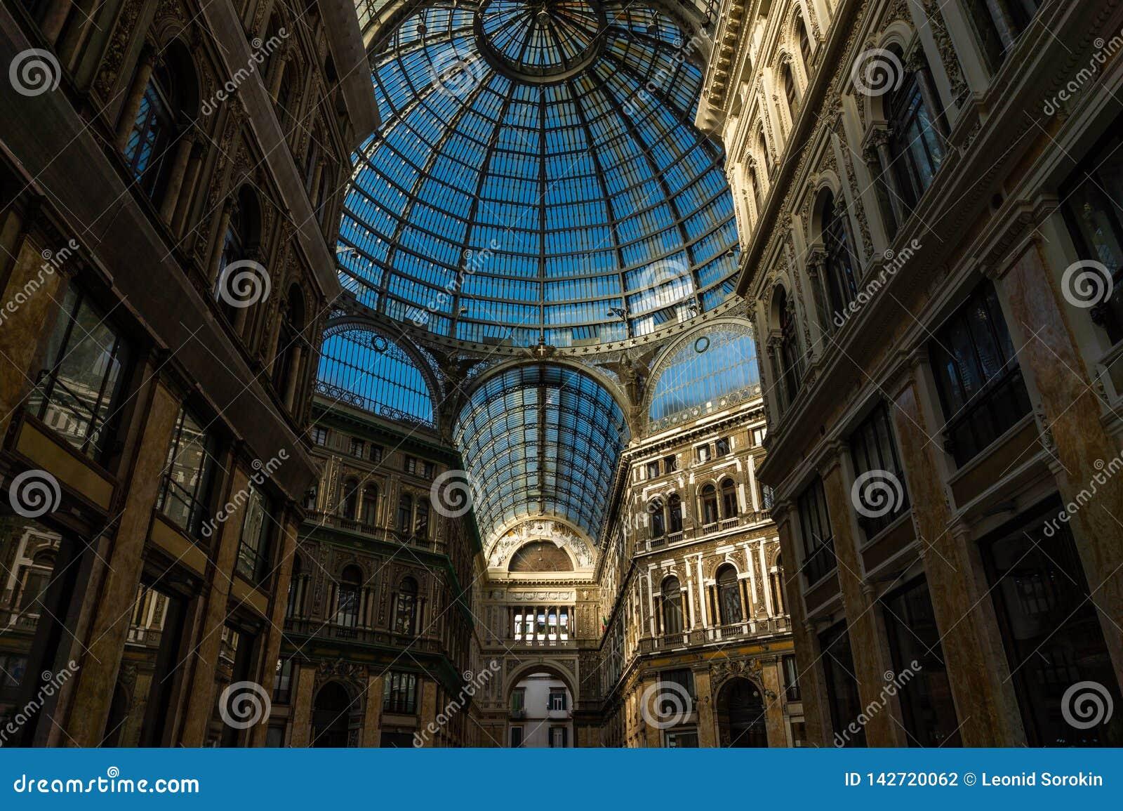 翁贝托一世画廊在那不勒斯