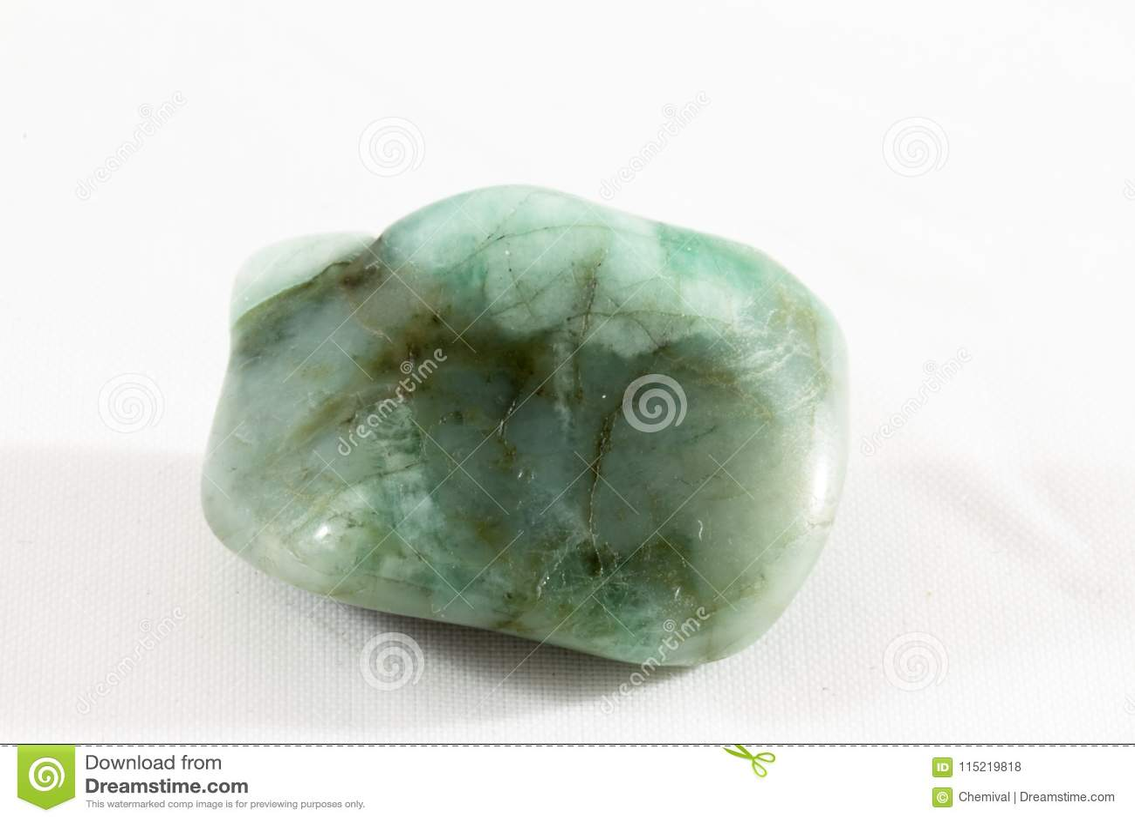 翻滚的绿宝石